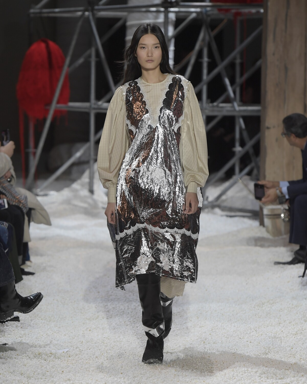2018 Woman Catwalk Calvin Klein 205W39NYC