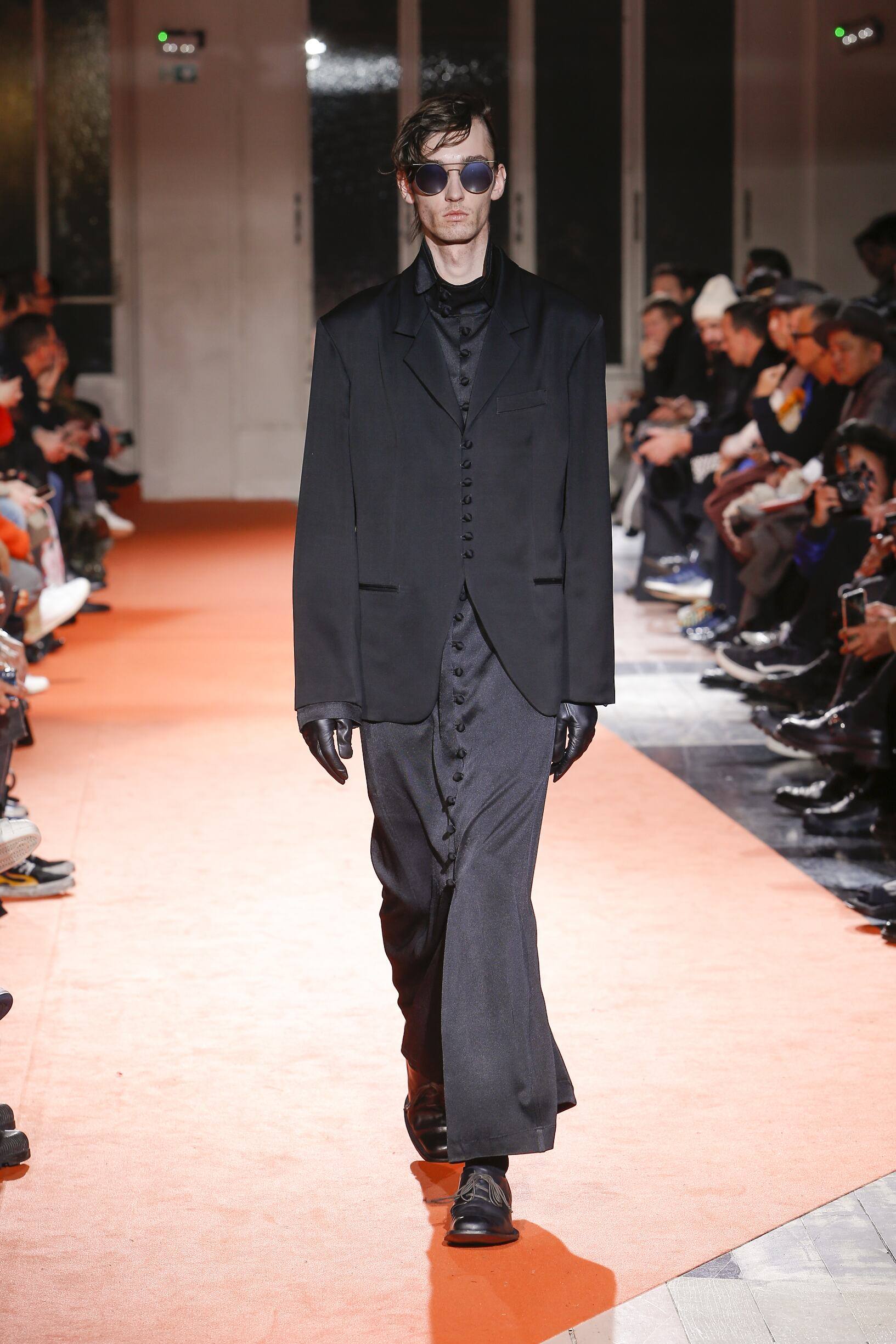 2018 Yohji Yamamoto Man Catwalk