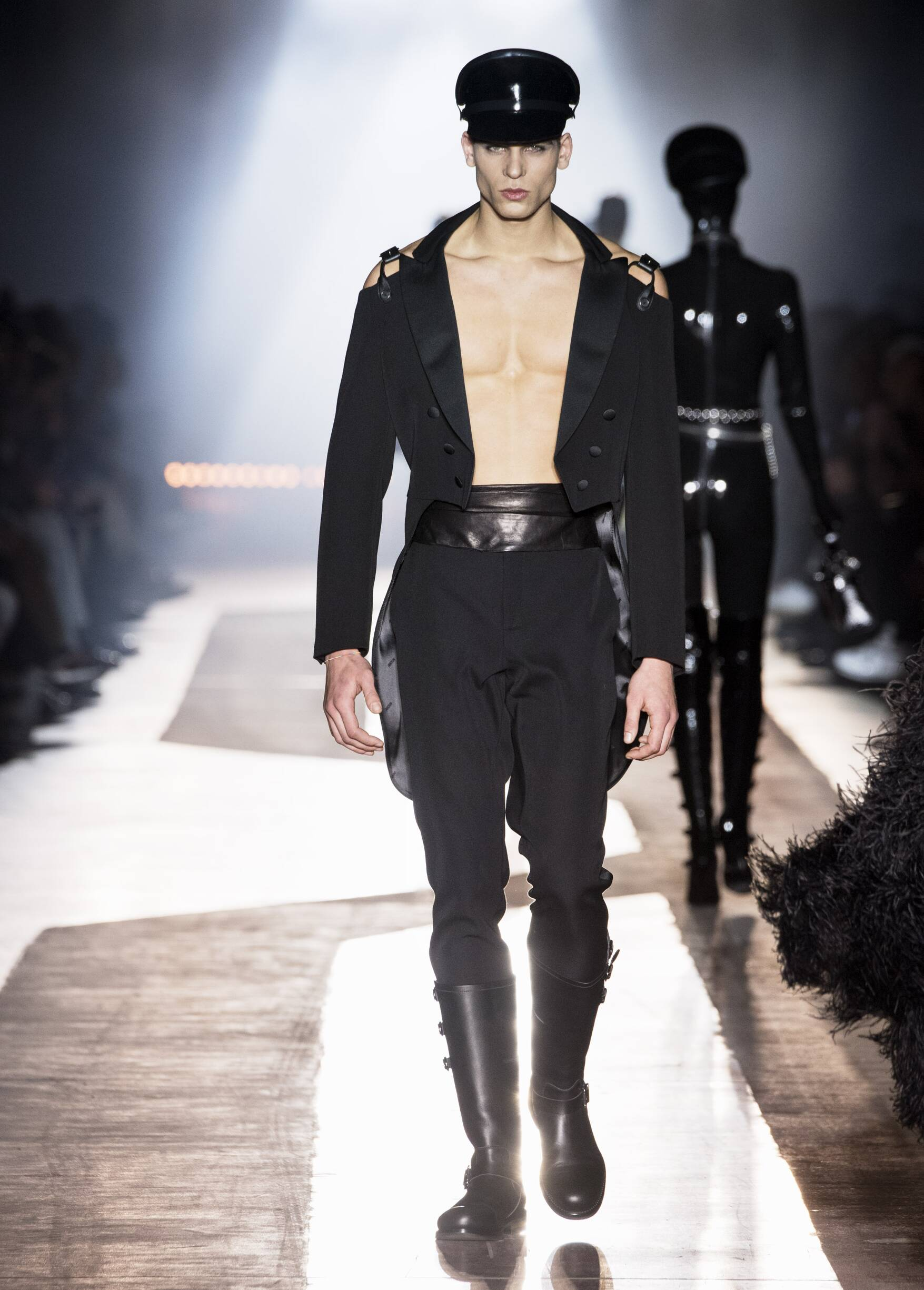 Catwalk Moschino Man Fashion Show Winter 2018