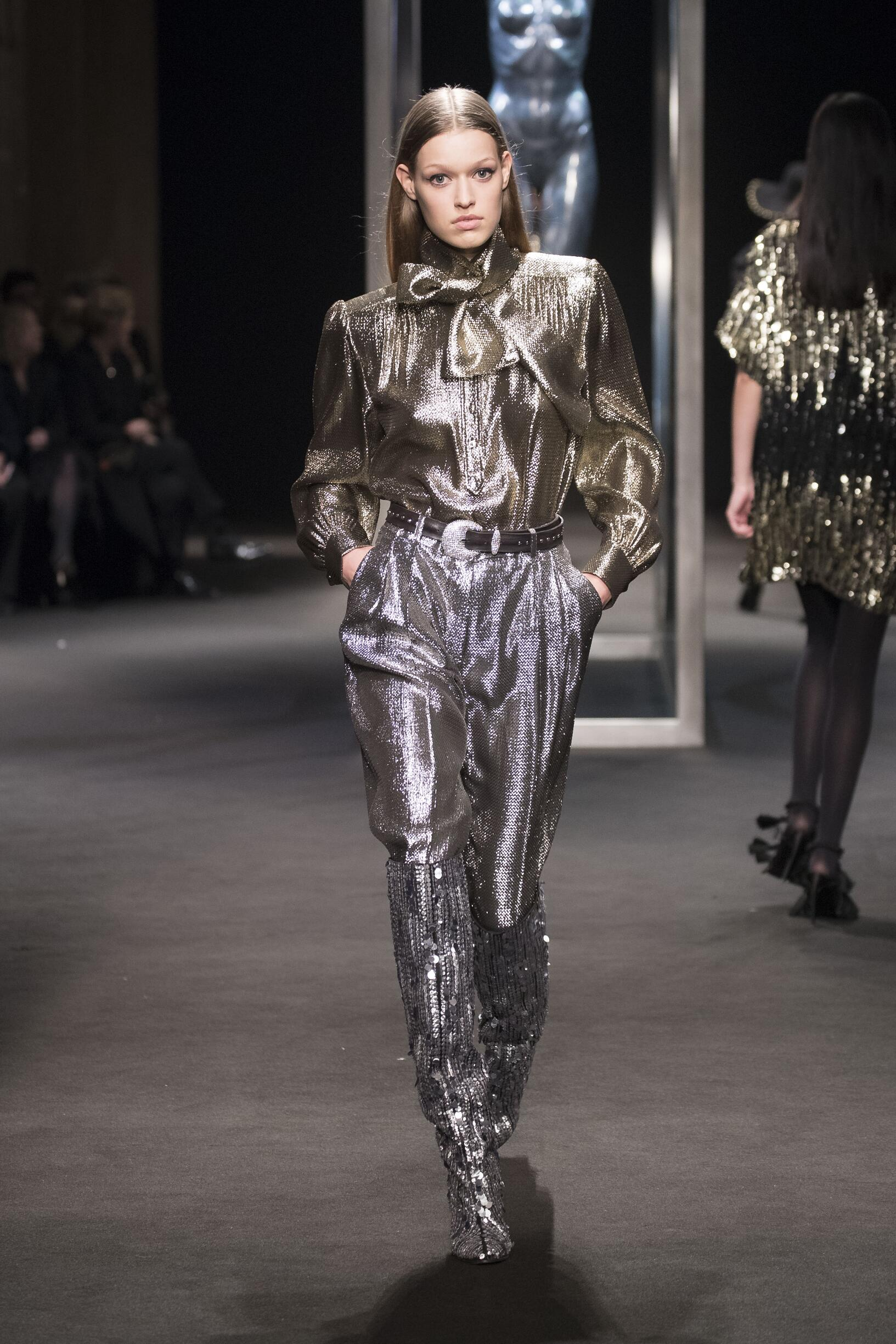Fall Fashion Woman Trends 2018 Alberta Ferretti