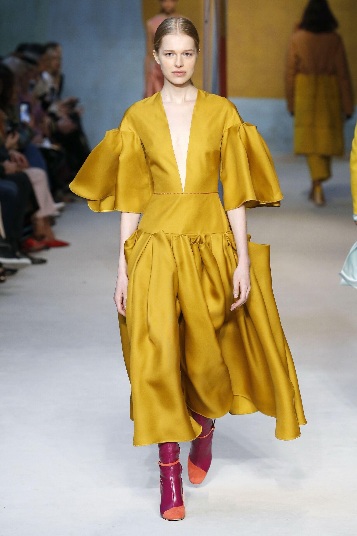 Fall Fashion Woman Trends 2018 Roksanda