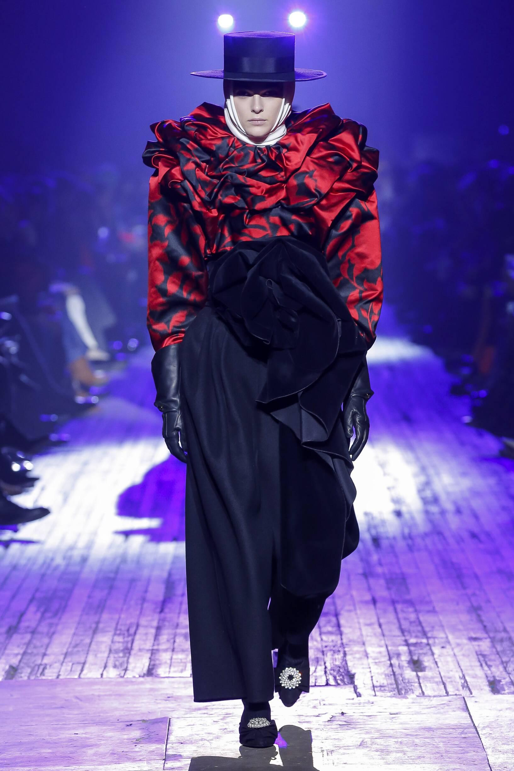 Fashion 2018-19 Woman Style Marc Jacobs