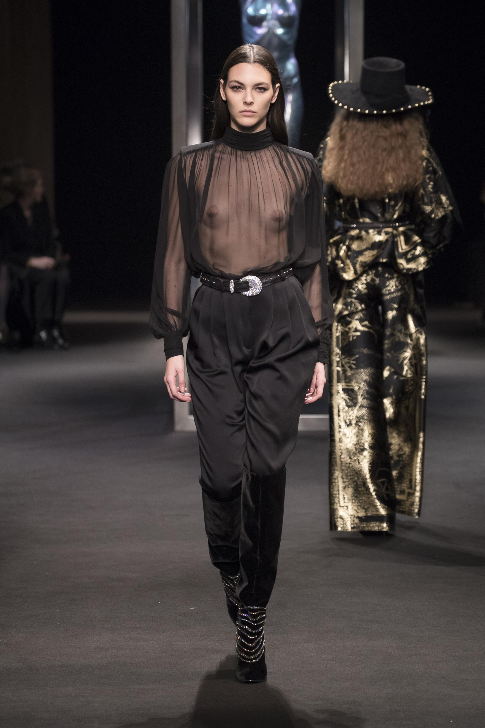 Fashion 2018-19 Woman Trends Alberta Ferretti