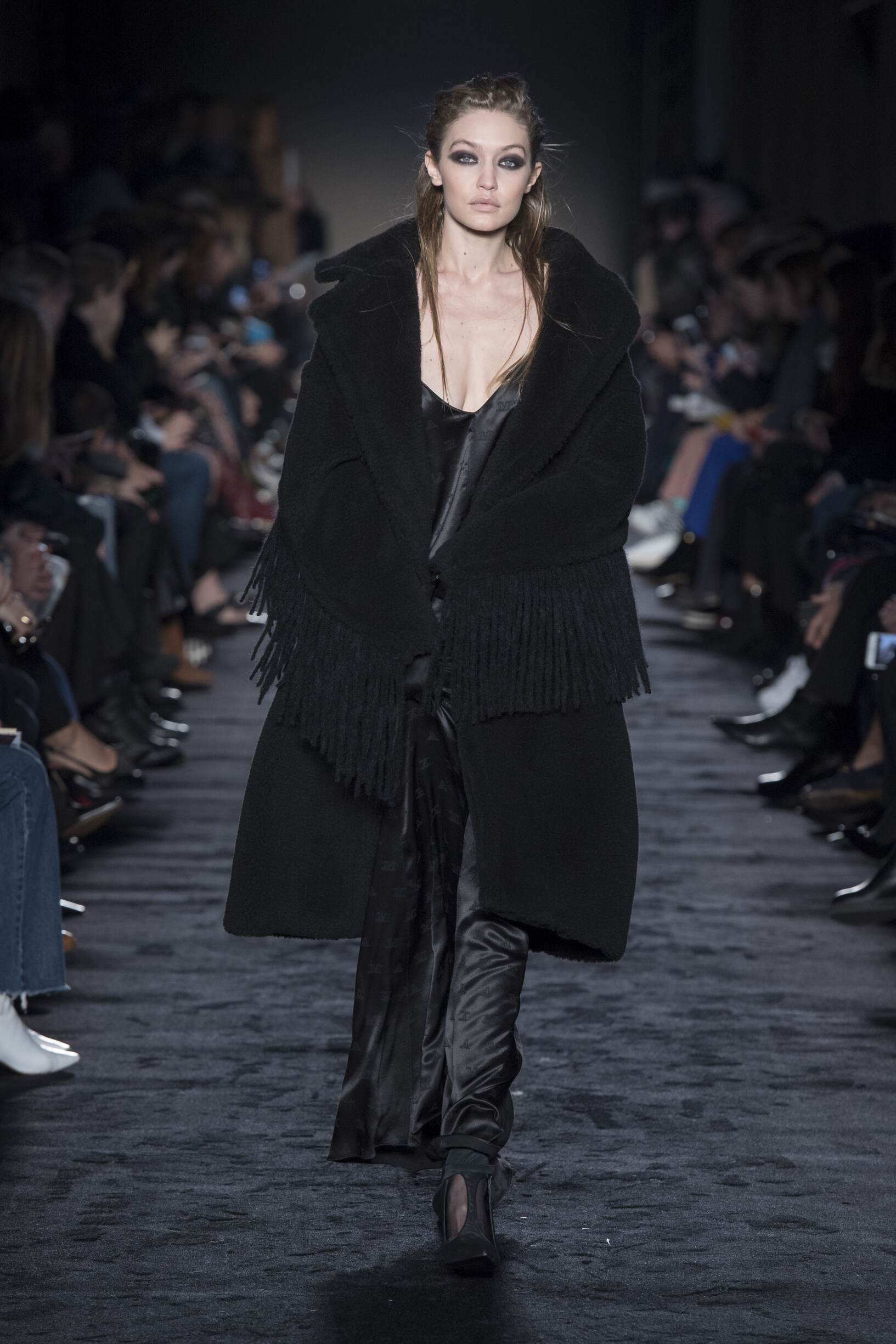 Fashion 2018-19 Woman Trends Max Mara