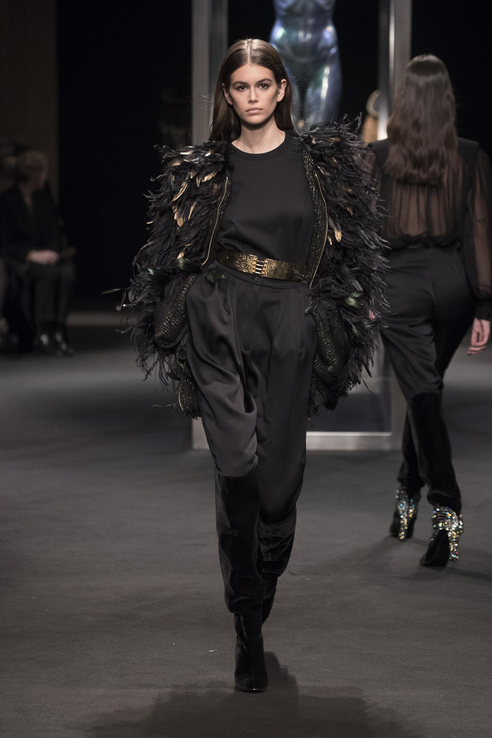 Fashion 2018-2019 Catwalk Alberta Ferretti Winter