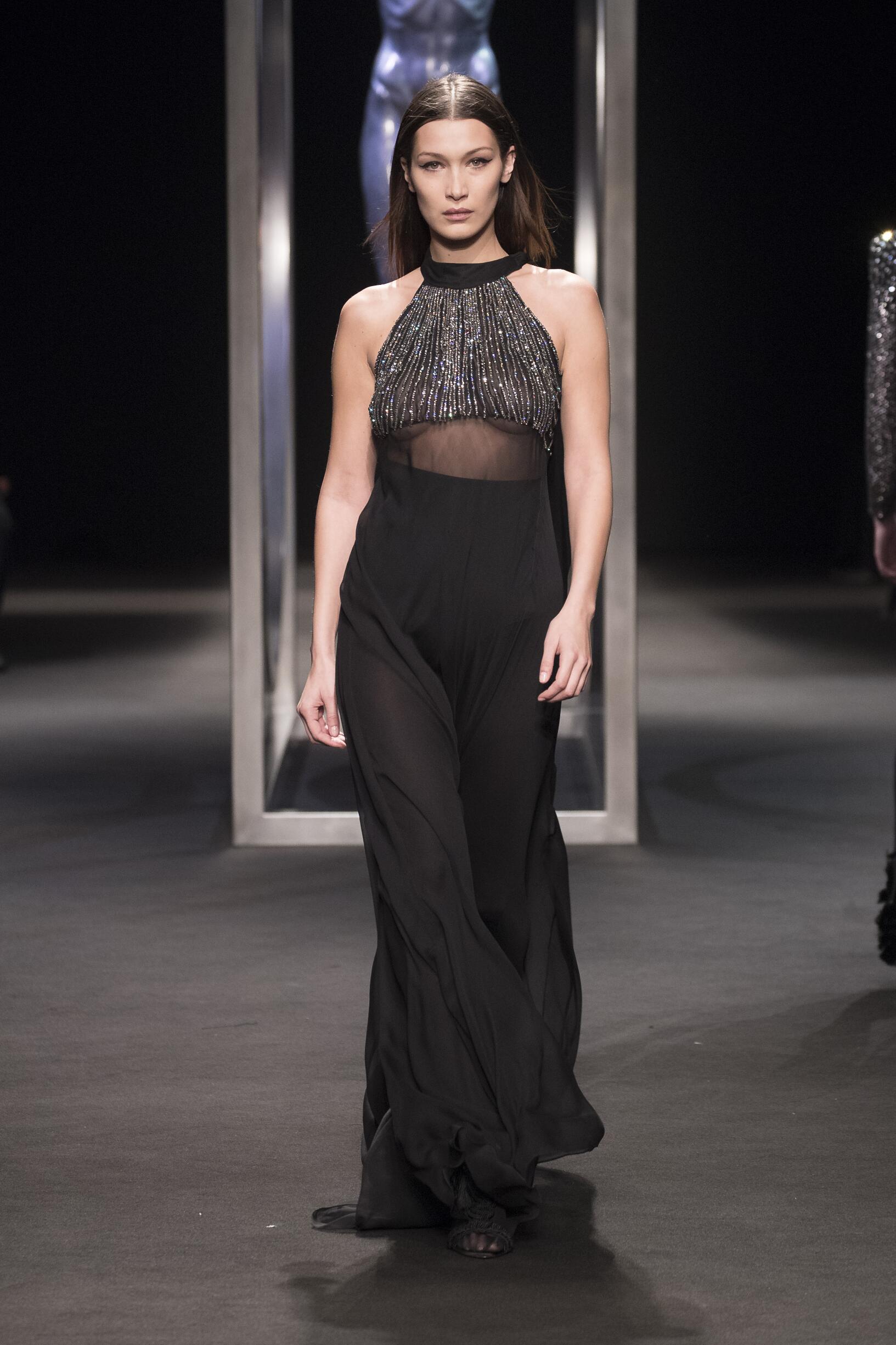 Fashion 2018-2019 Woman Style Alberta Ferretti