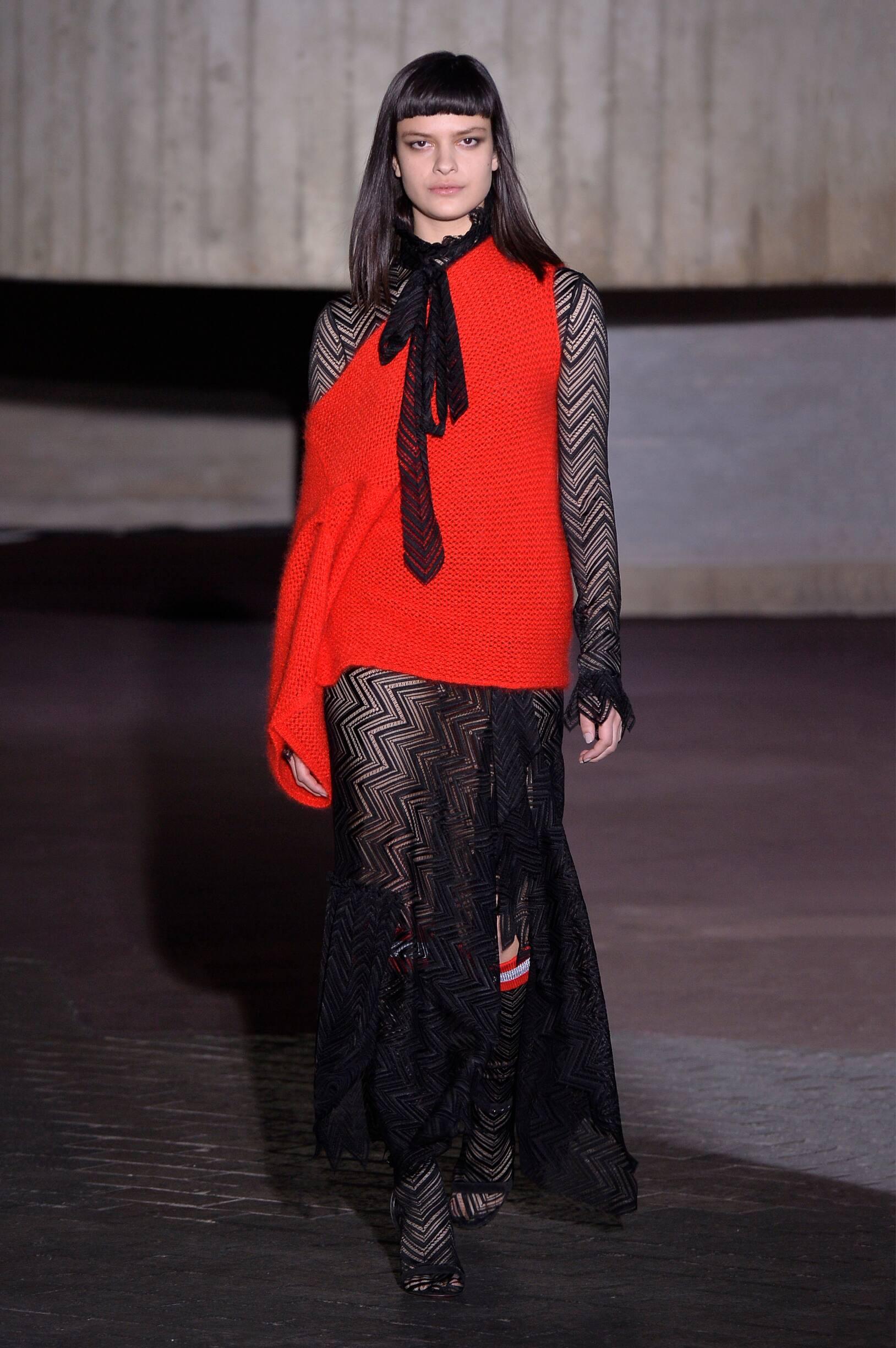 Fashion 2018-2019 Woman Style Roland Mouret