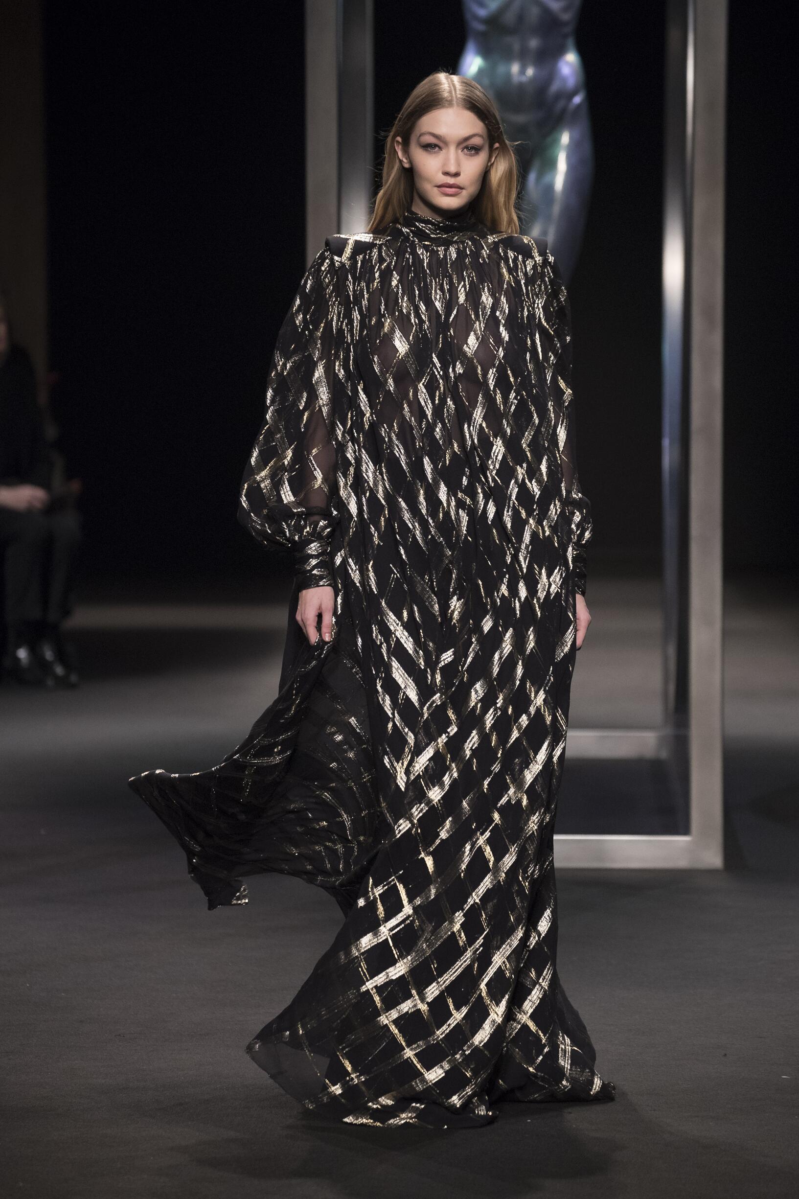 Fashion 2018-2019 Woman Trends Alberta Ferretti
