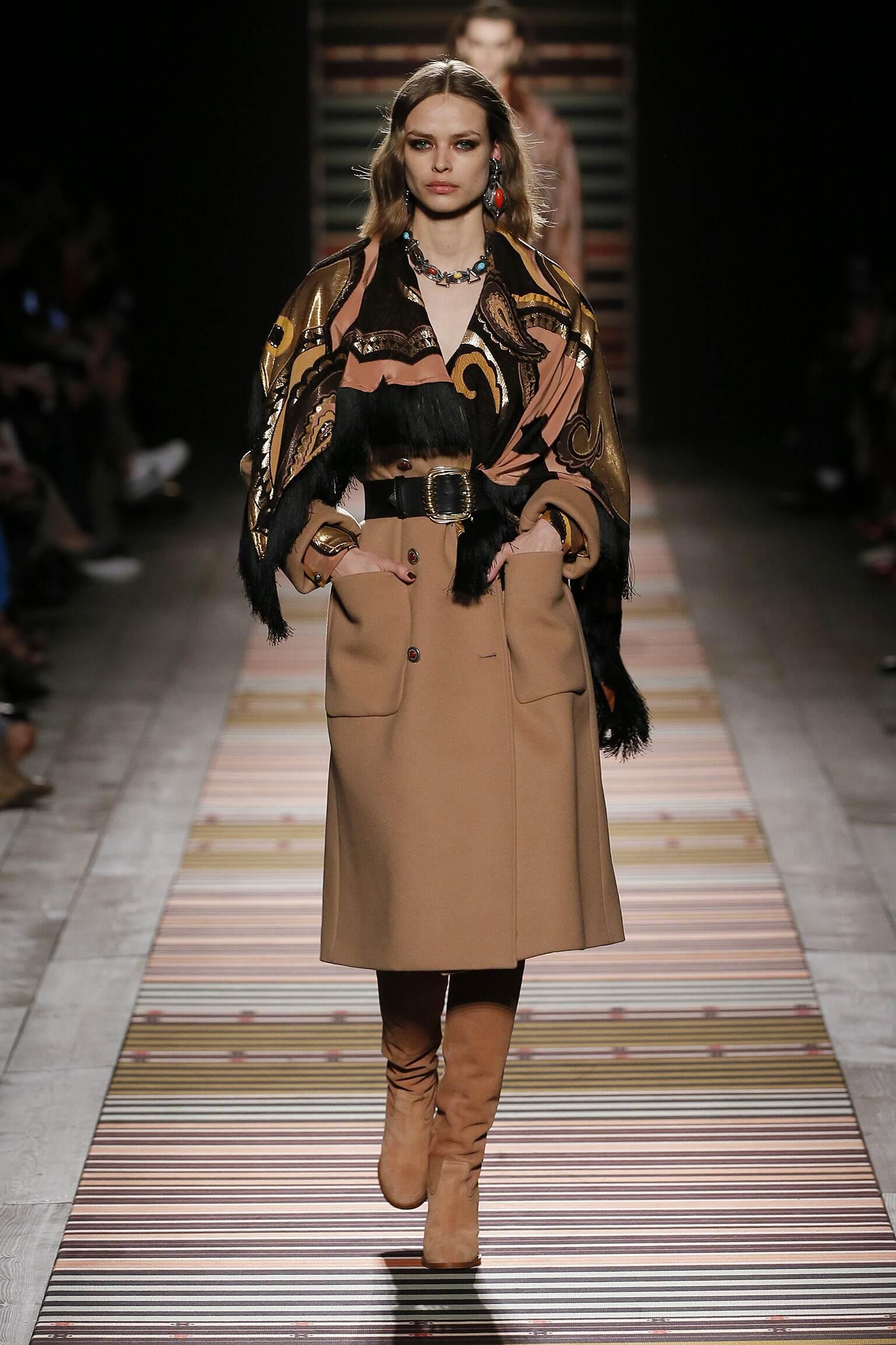 Fashion 2018-2019 Woman Trends Etro