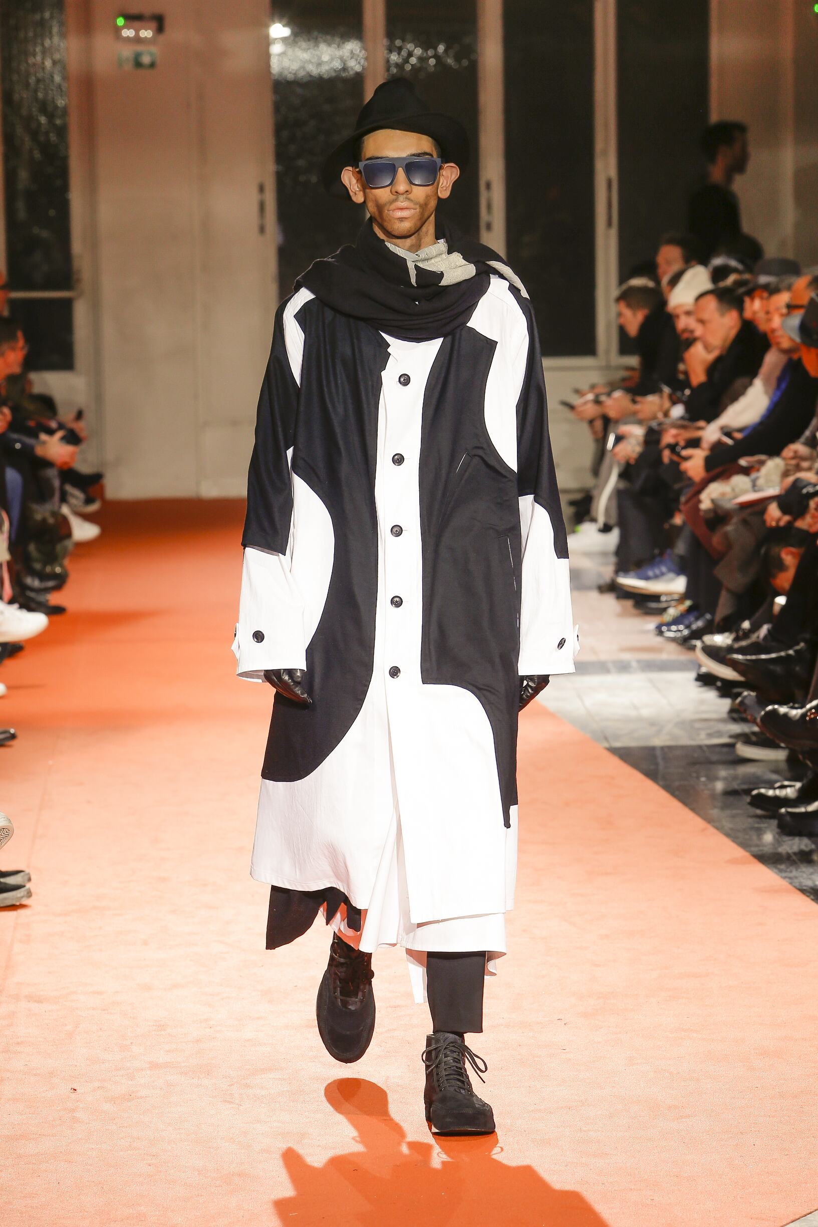 Fashion Man Model Yohji Yamamoto Catwalk