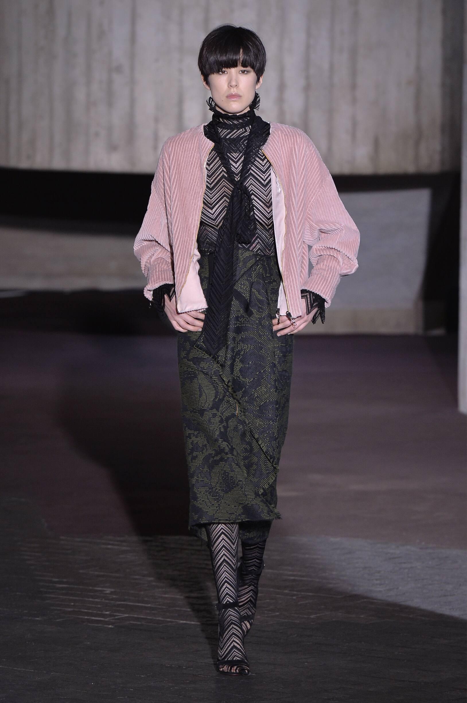 Fashion Model Roland Mouret Catwalk