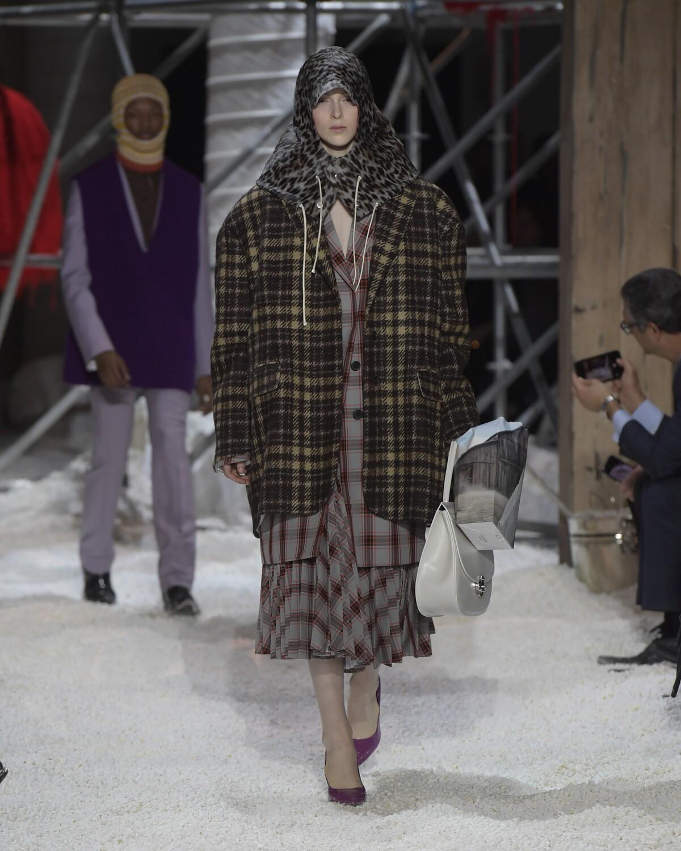 Fashion Show 2018-2019 Woman Style Calvin Klein 205W39NYC