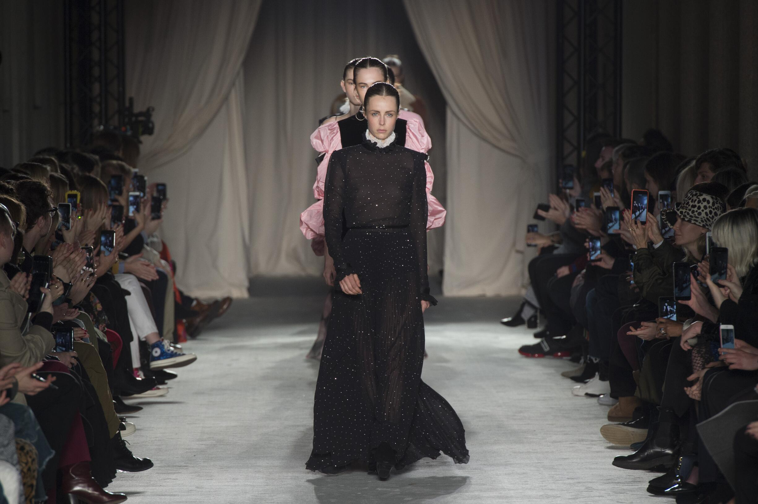 Fashion Show Finale Philosophy di Lorenzo Serafini