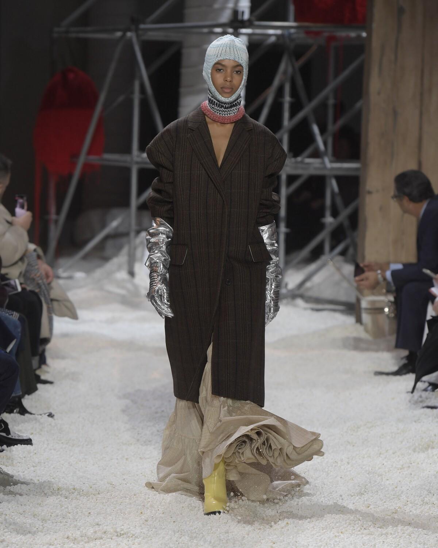 Fashion Woman Model Calvin Klein 205W39NYC Catwalk
