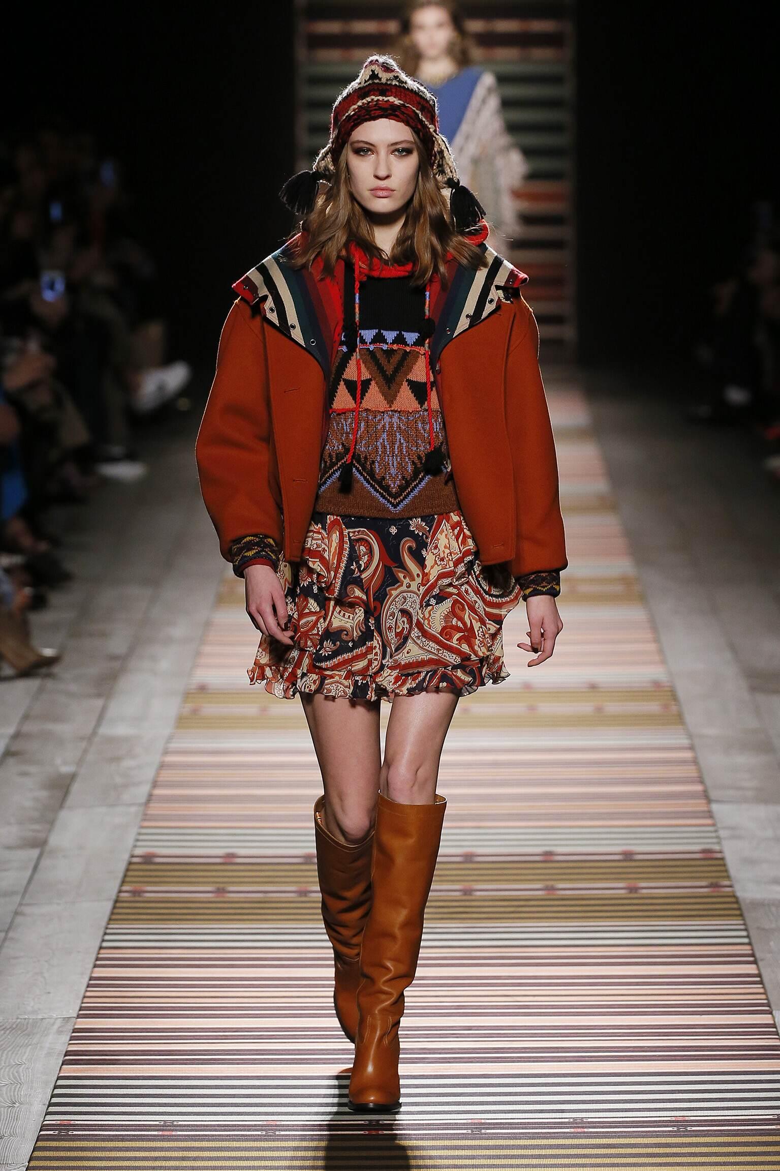 Fashion Woman Model Etro Catwalk