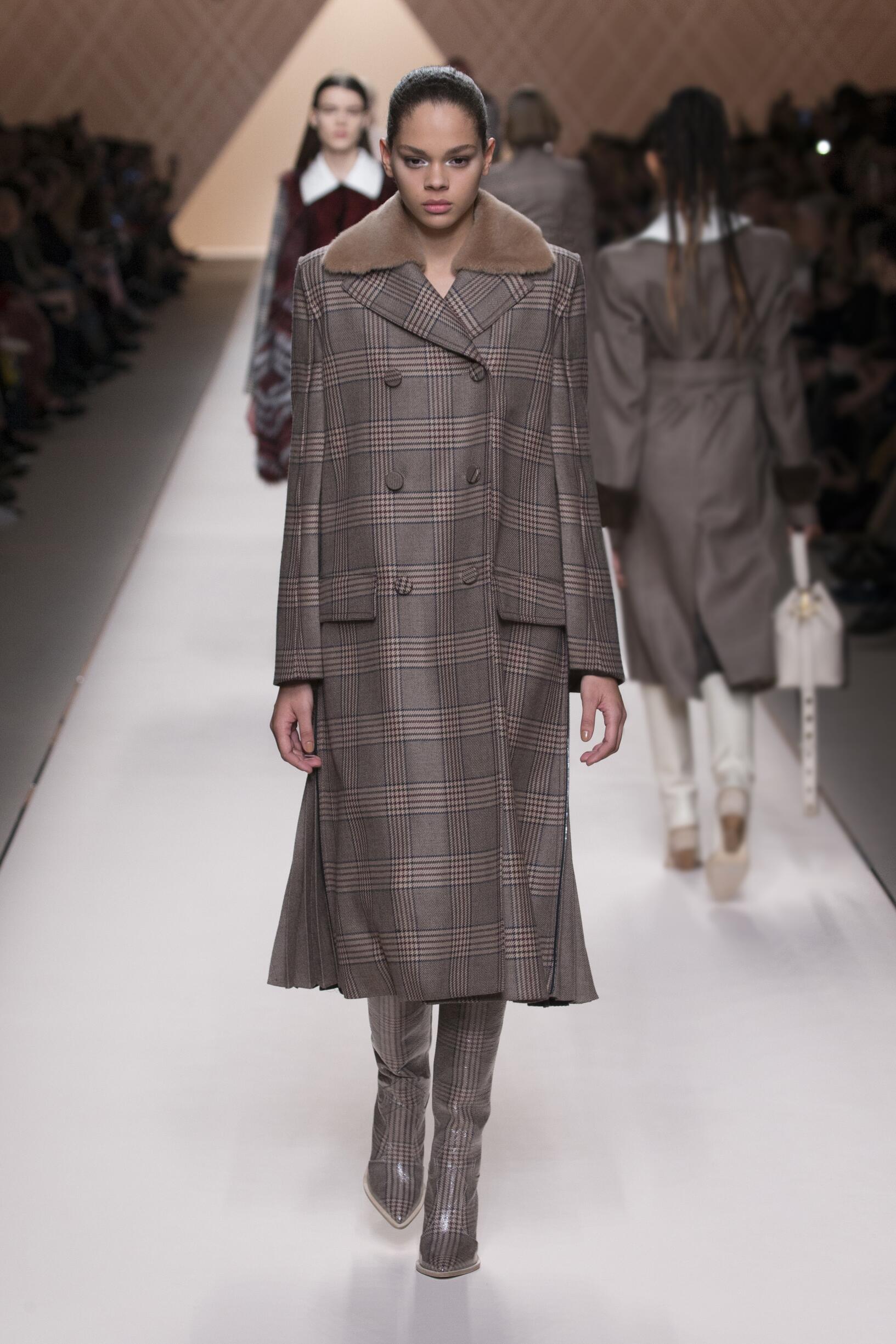 Fendi Fall Winter 2018 Womens Collection Milan Fashion Week