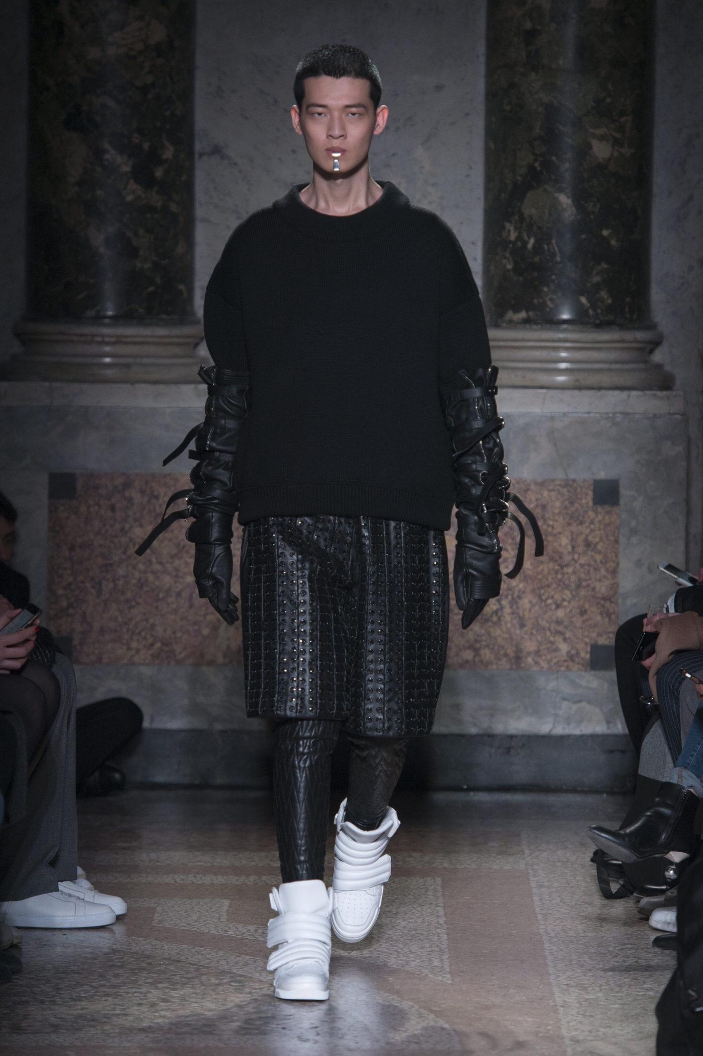 Les Hommes Winter 2018 Man Catwalk
