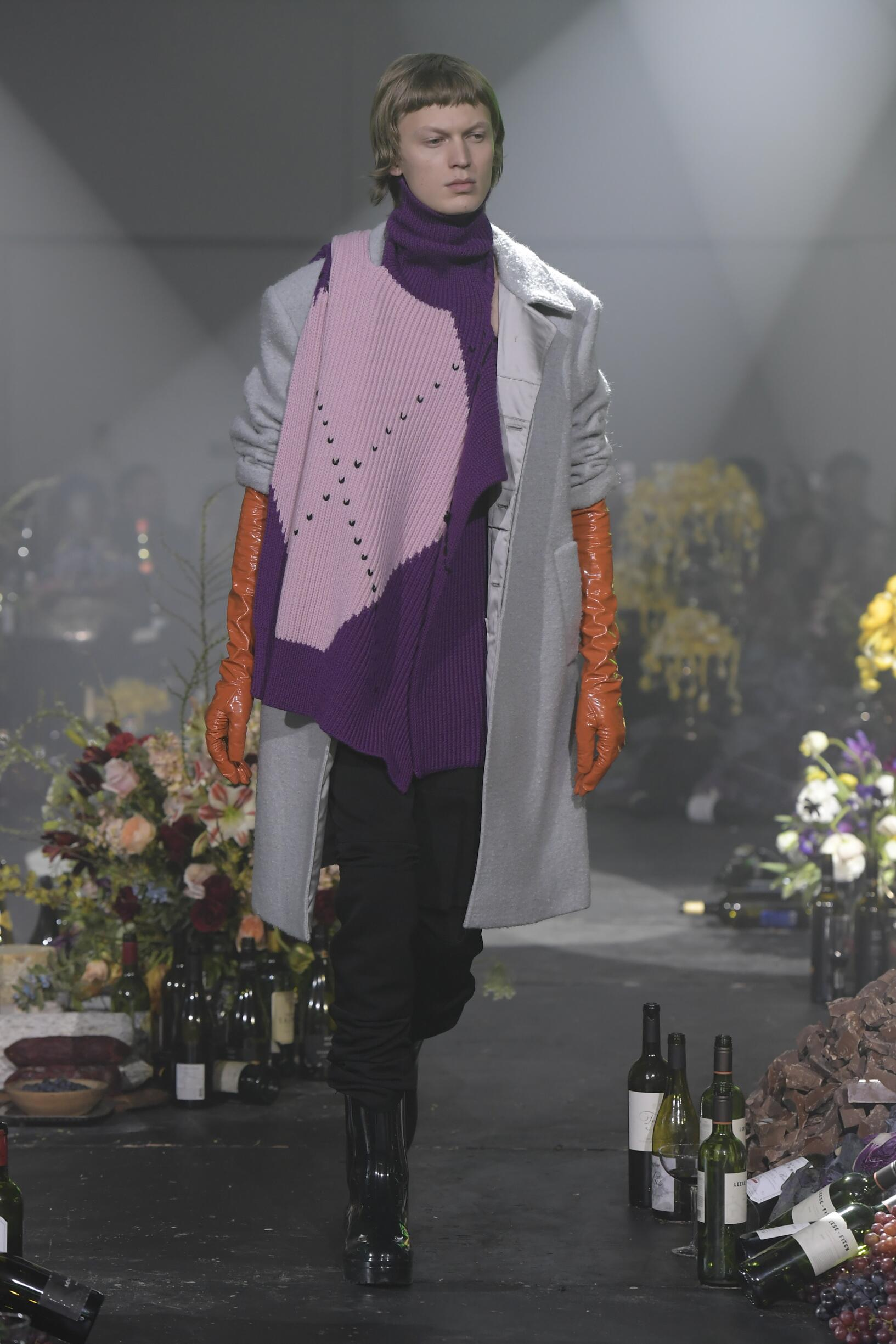 Man FW 2018-19 Fashion Show Raf Simons