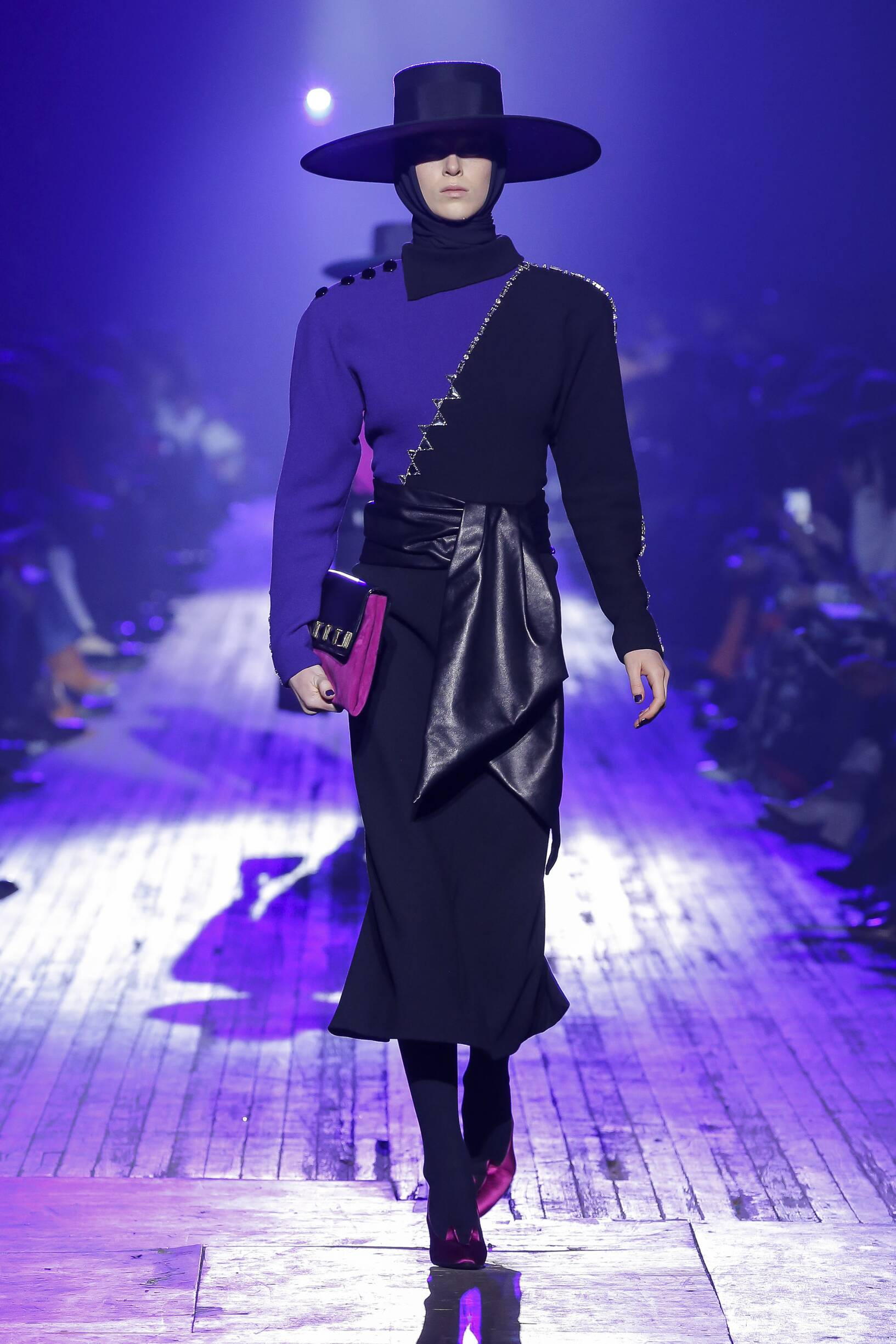 Marc Jacobs Winter 2018 Woman Catwalk