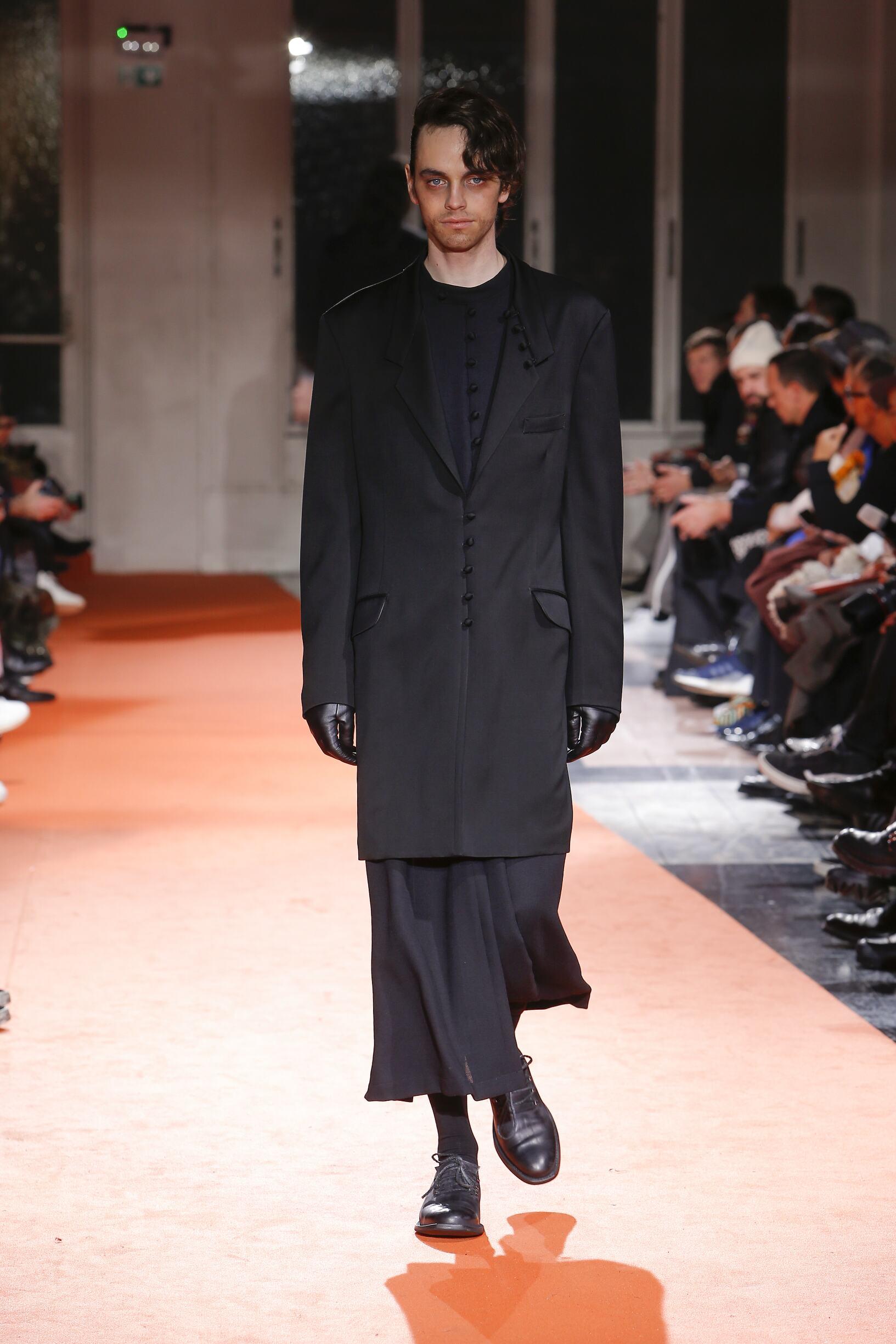Menswear FW Yohji Yamamoto 2018-19