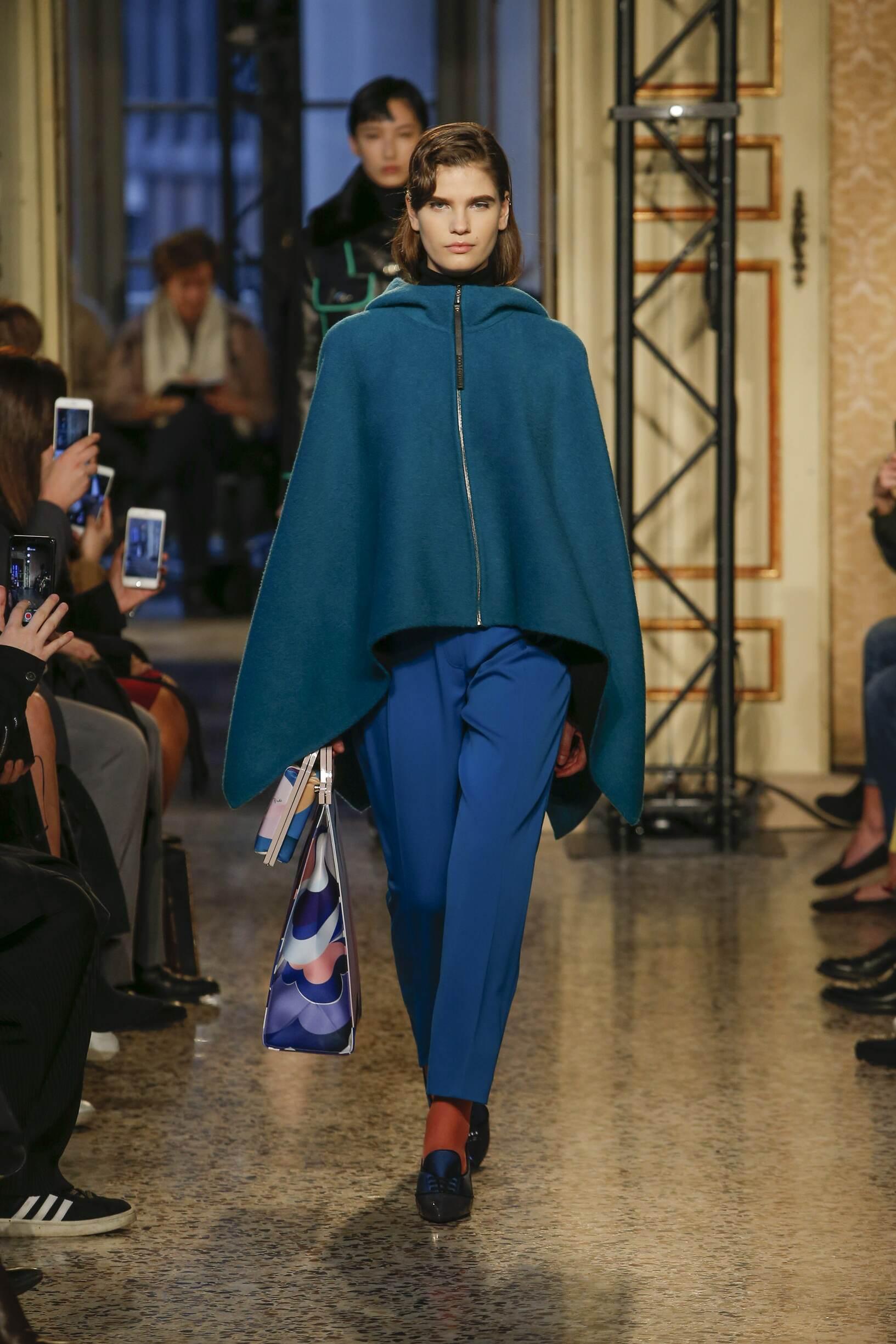 Model Fashion Show Emilio Pucci