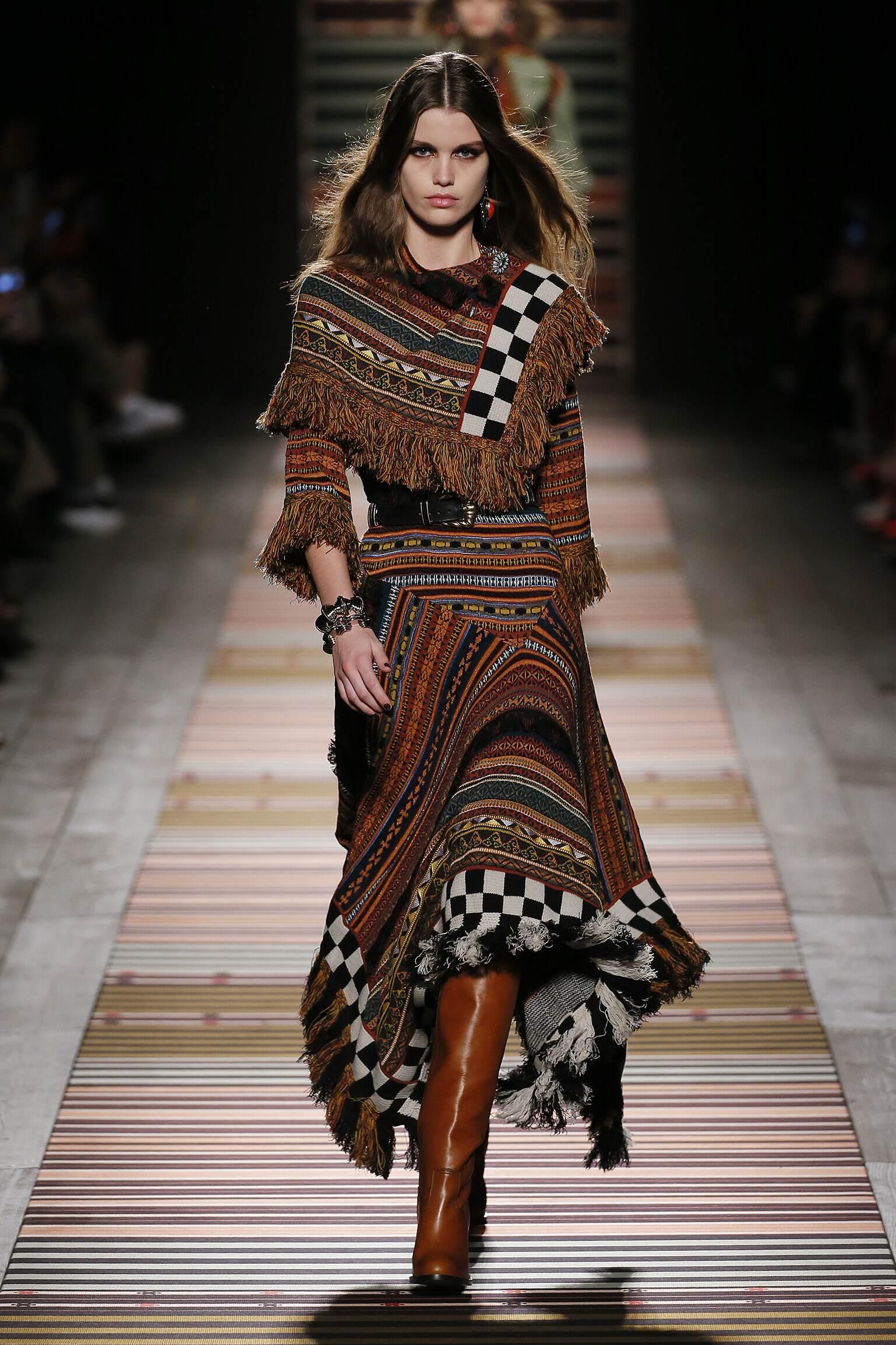 Model Fashion Show Etro