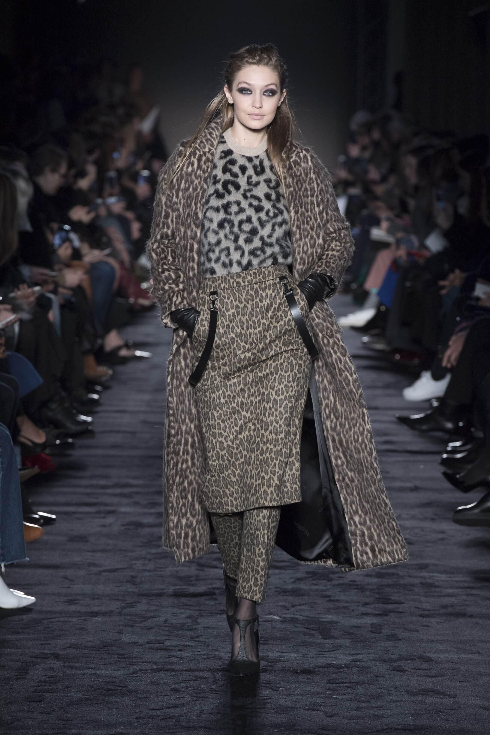 Model Fashion Show Max Mara