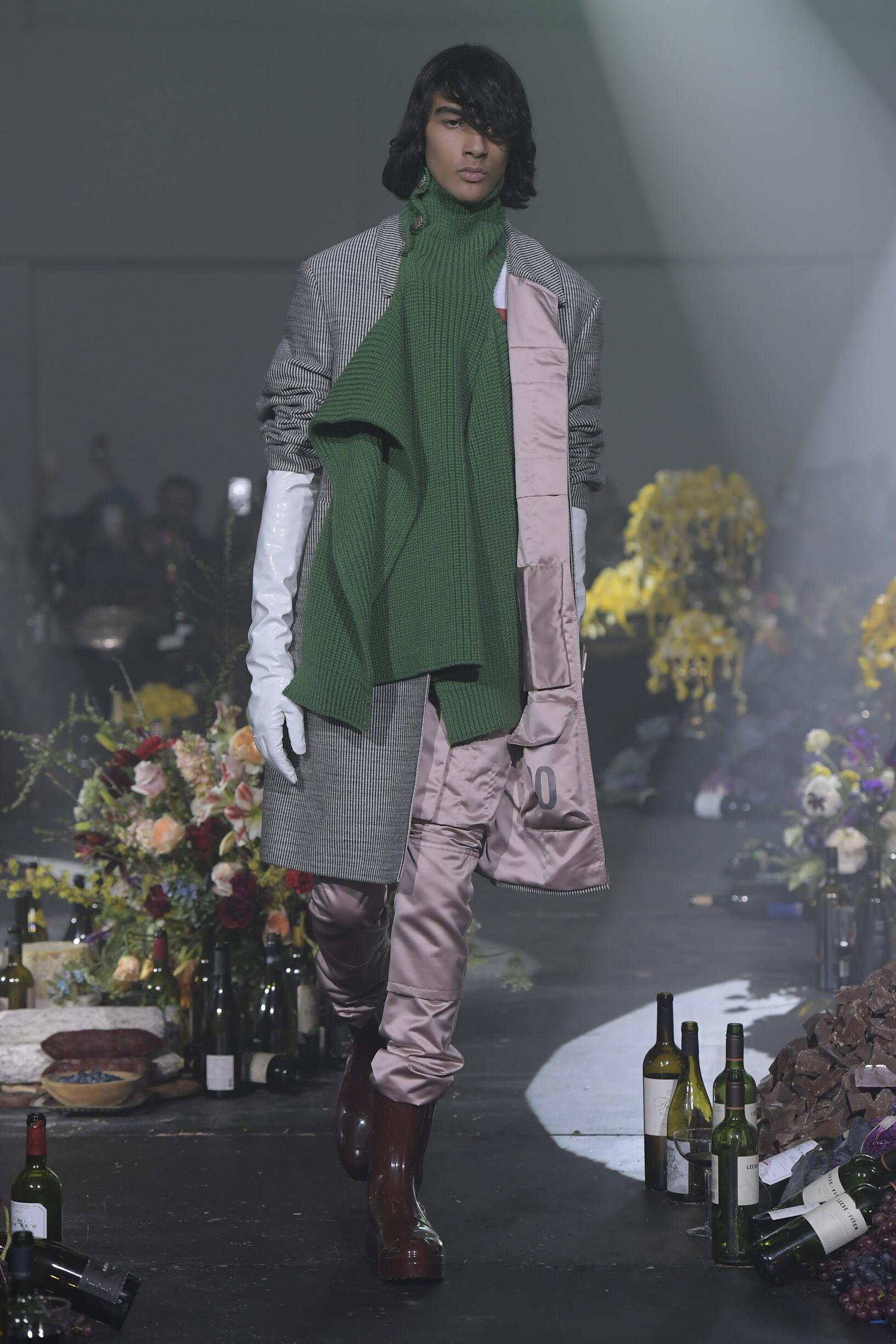 Model Fashion Show Raf Simons