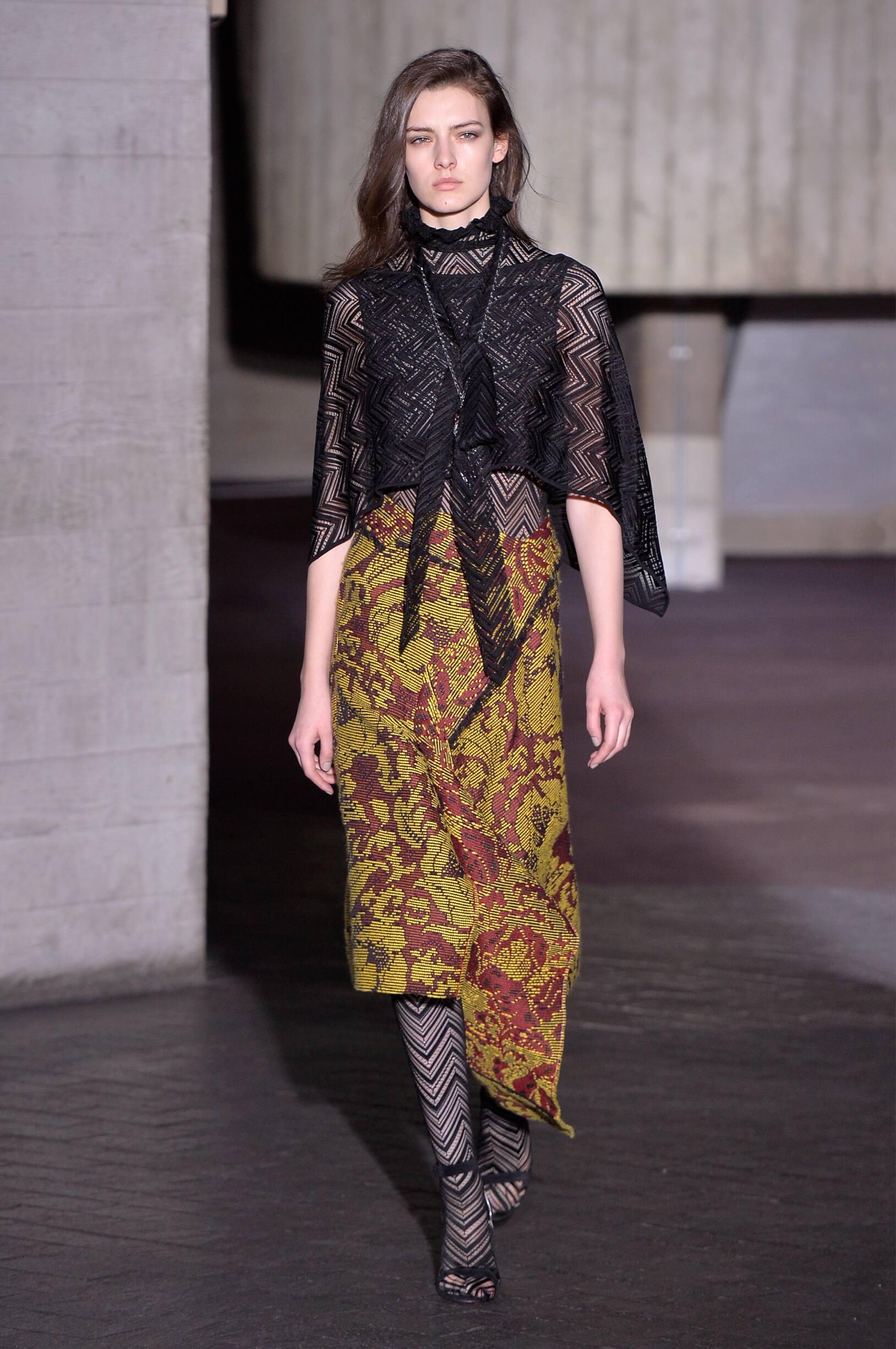 Model Fashion Show Roland Mouret