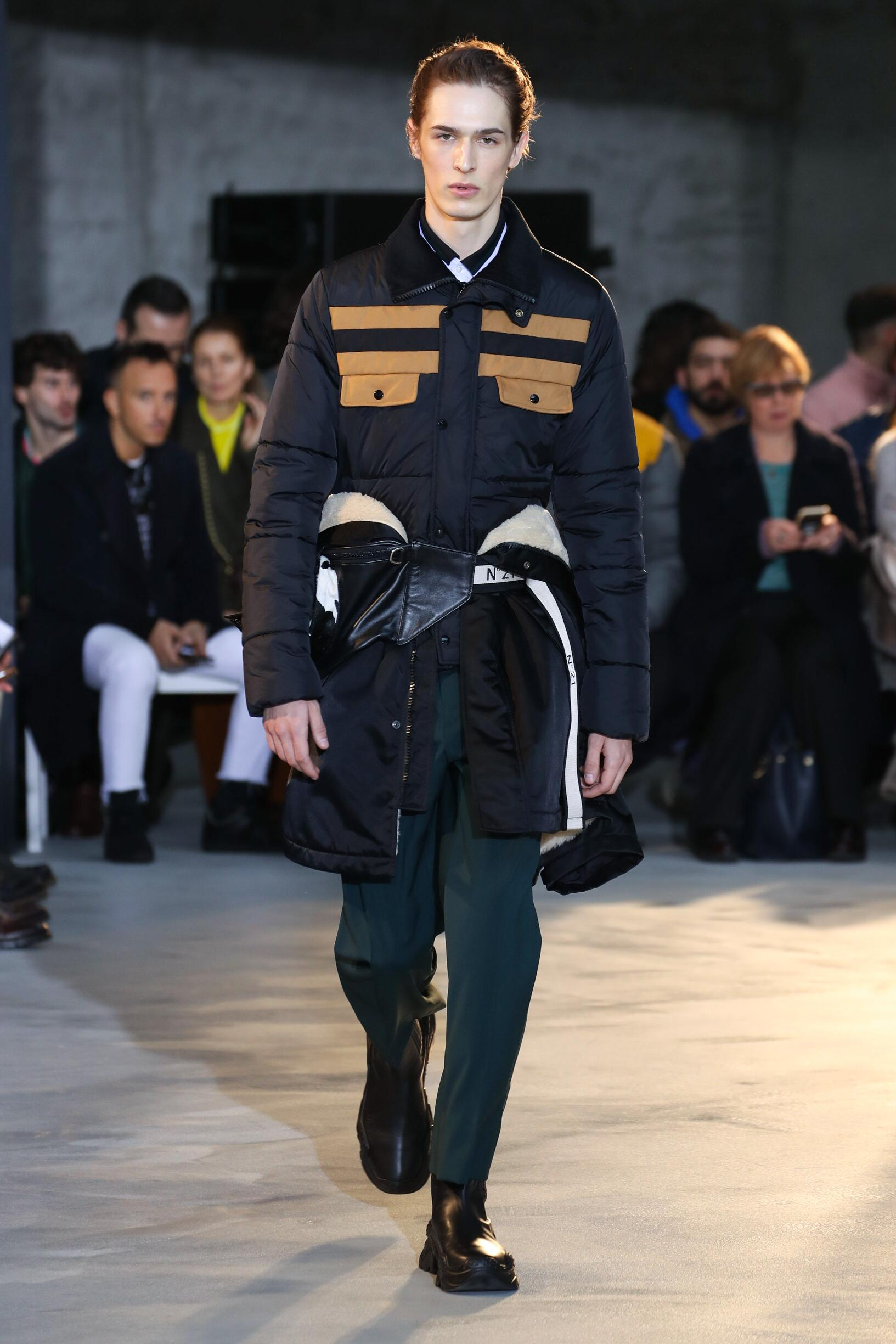 N°21 Winter 2018 Man Catwalk