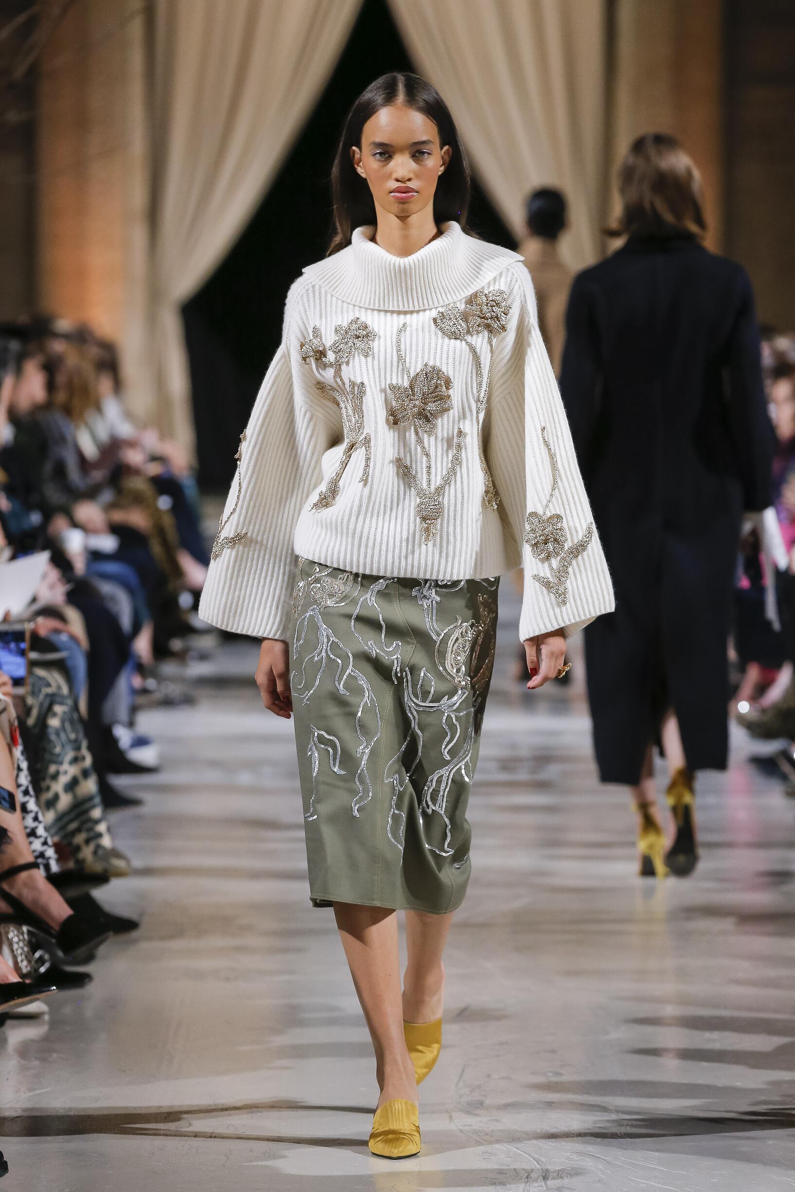 Oscar de la Renta Fall Winter 2018 Womens Collection New York Fashion Week