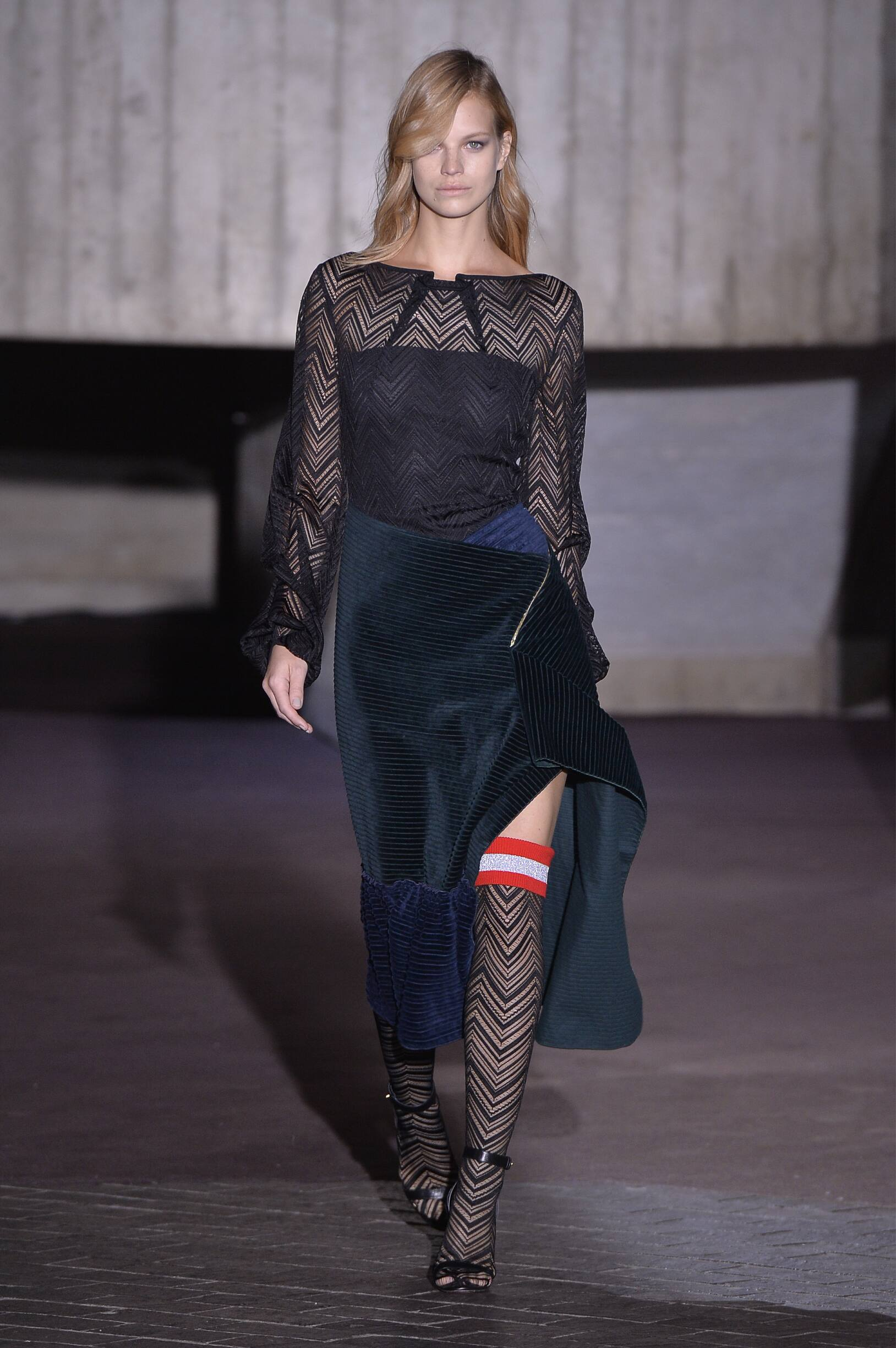 Roland Mouret Fall Winter 2018 Womens Collection London Fashion Week