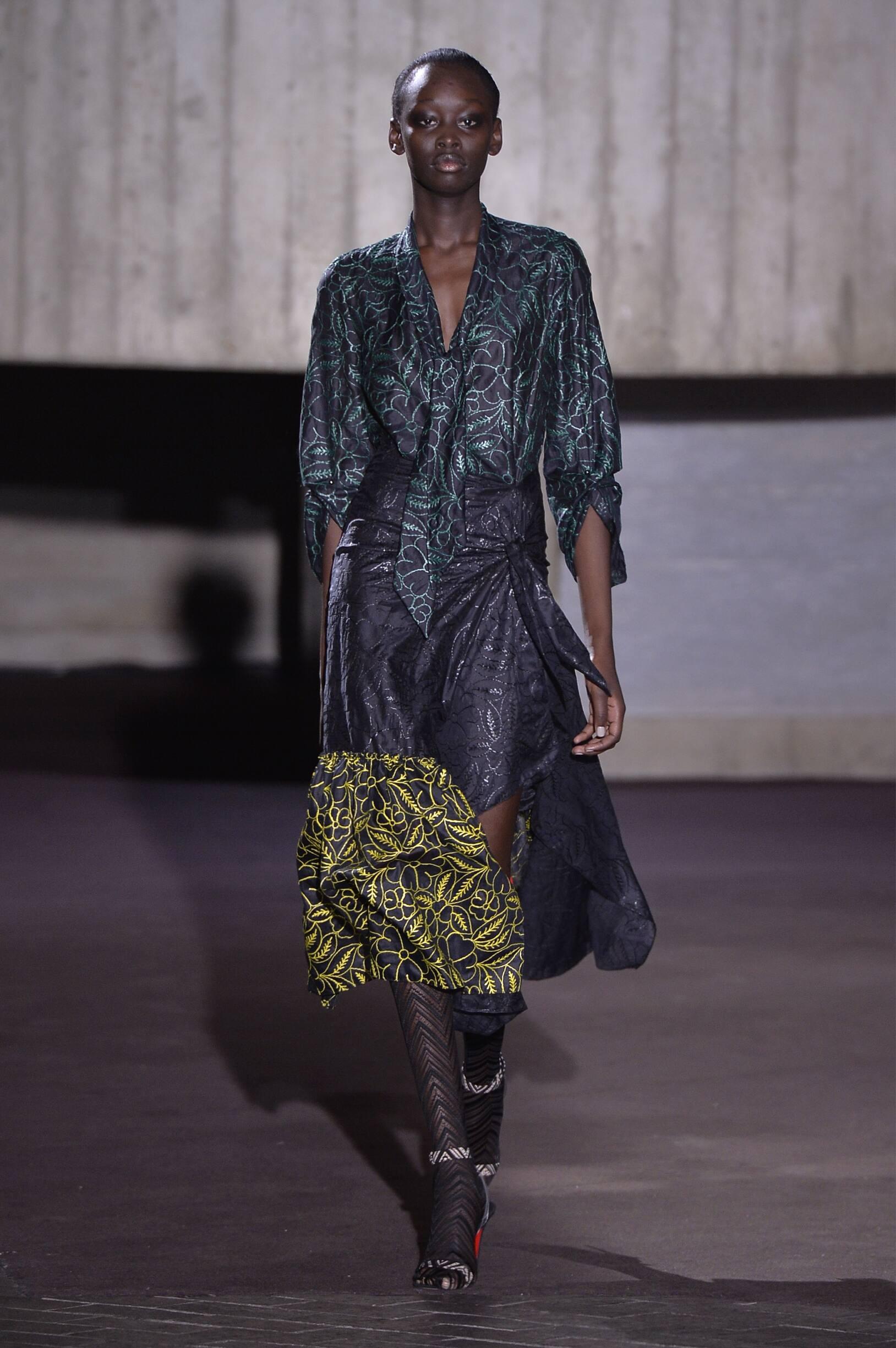 Roland Mouret Woman 2018