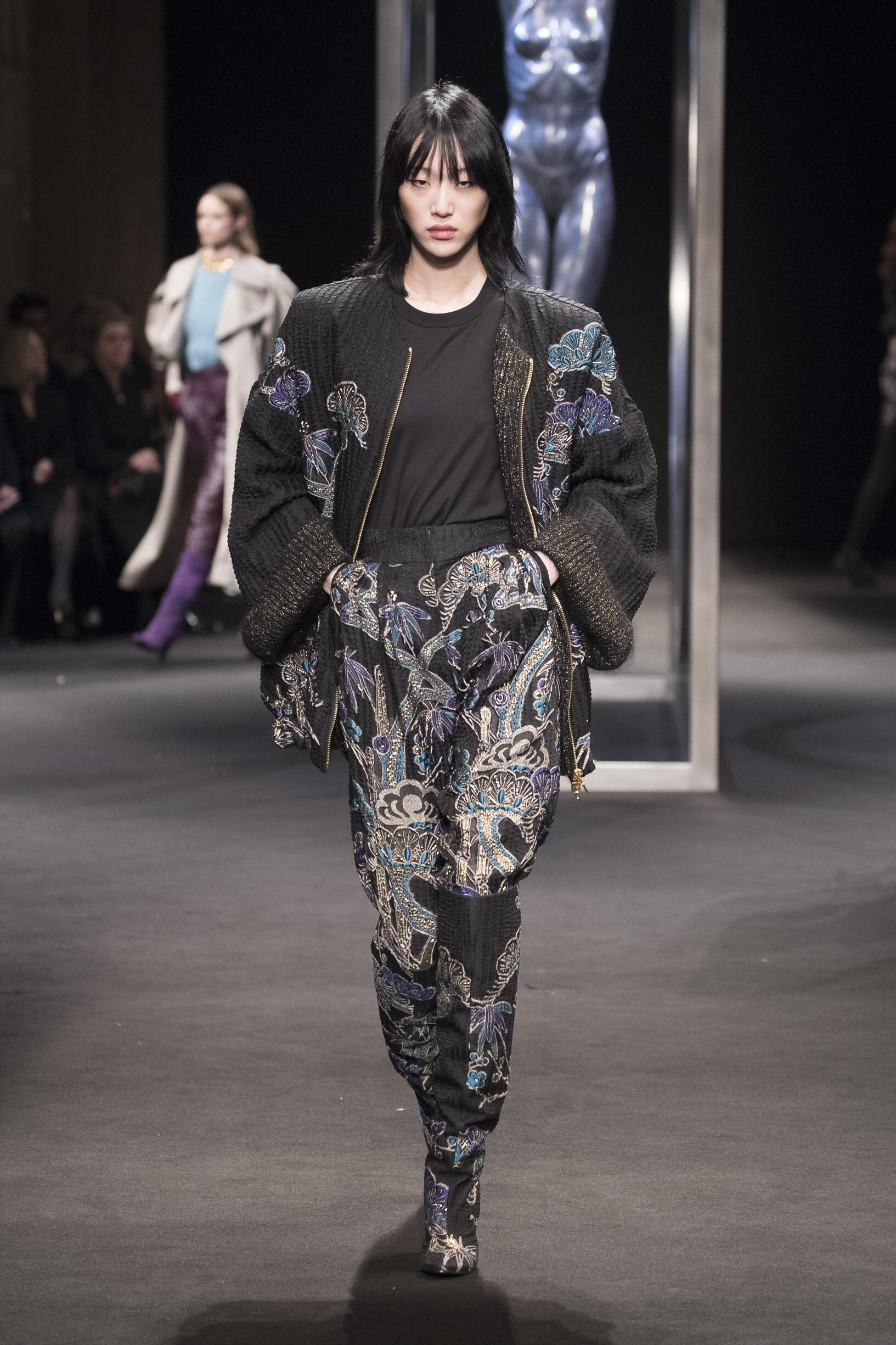 Runway Alberta Ferretti Fall Winter 2018 Women's Collection Milan Fashion Week
