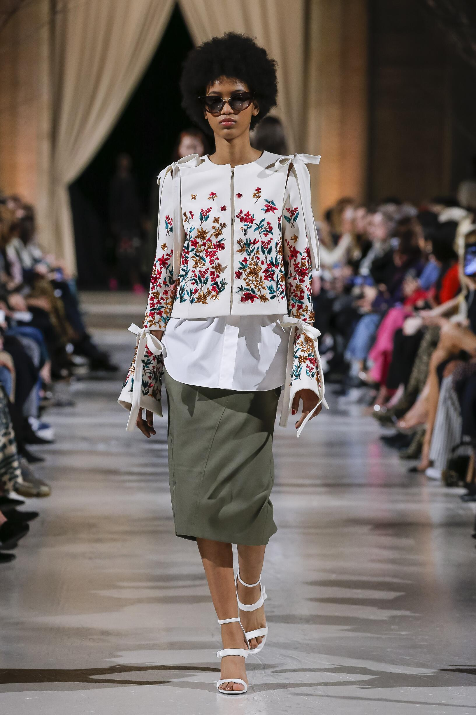 Runway Oscar de la Renta Fall Winter 2018 Women's Collection New York Fashion Week