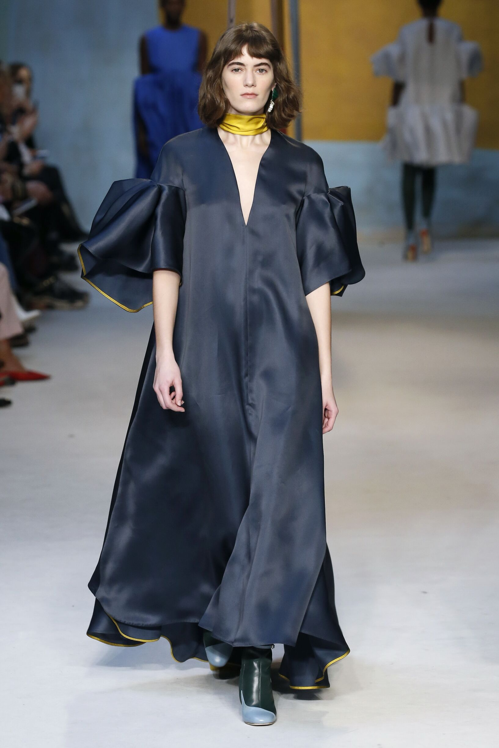 Runway Roksanda Fall Winter 2018 Women's Collection London Fashion Week