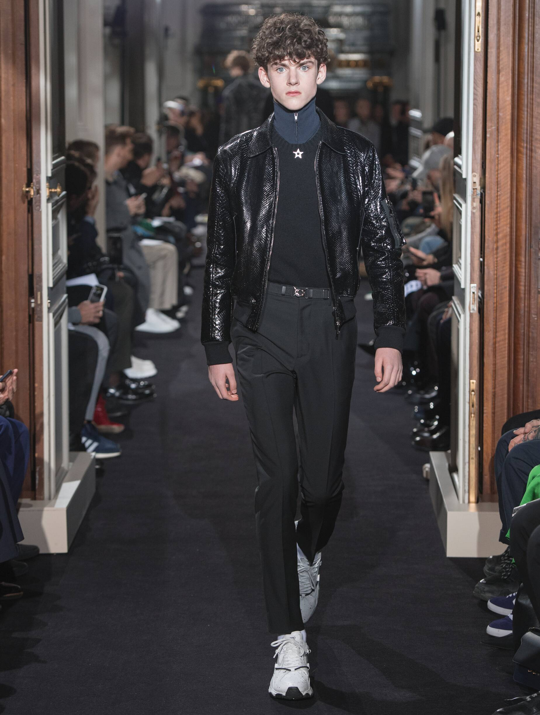 Valentino Winter 2018 Man Catwalk