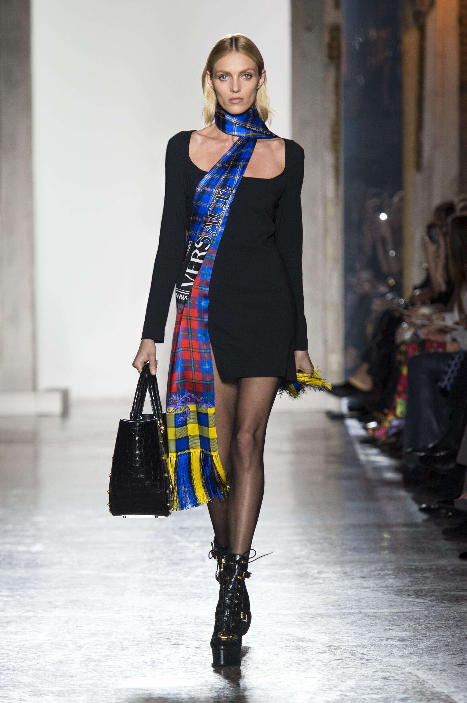 Versace Fall Winter 2018 Womens Collection Milan Fashion Week