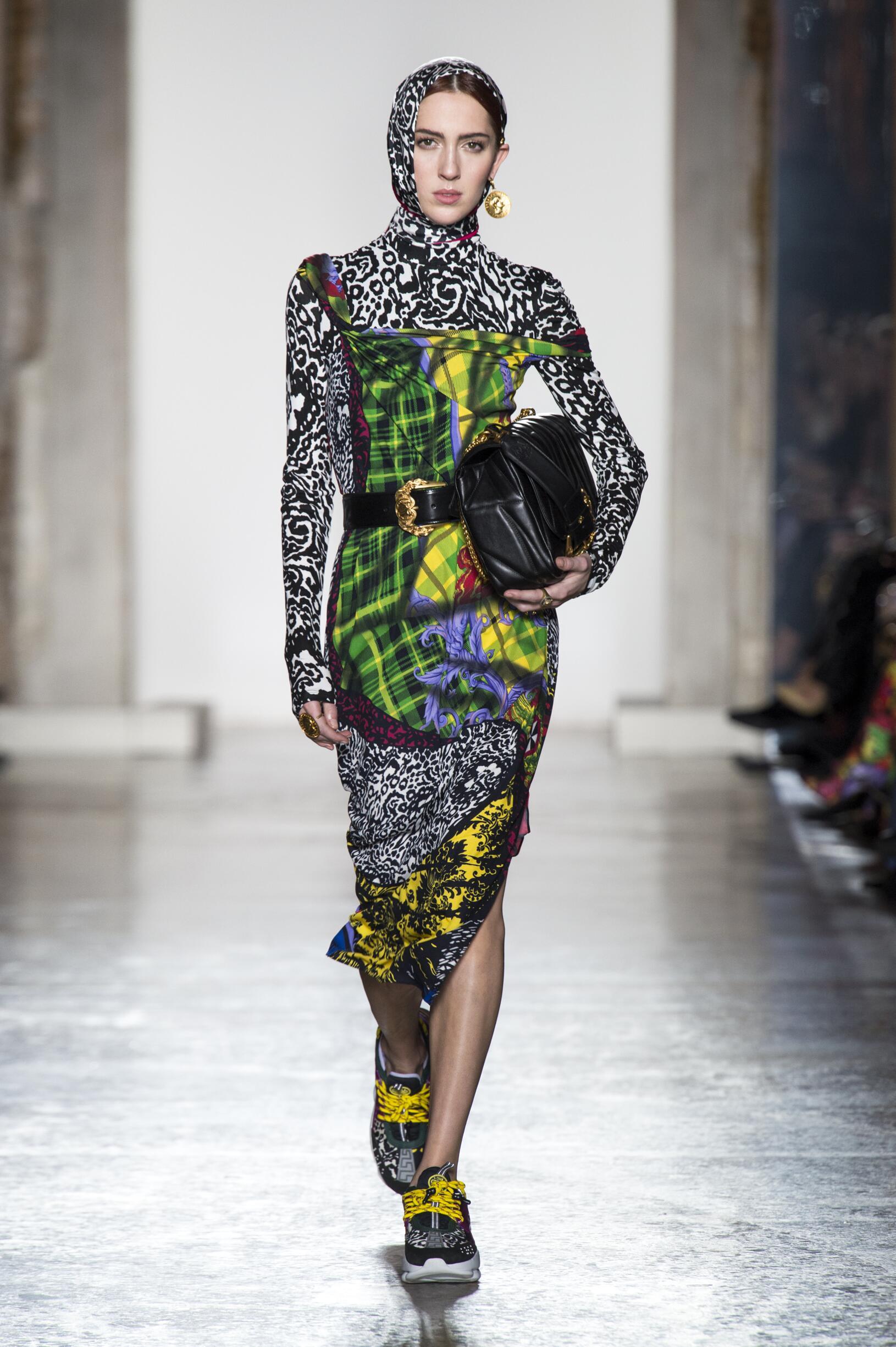 versace fall collection week milan winter dress runway 90s fashionweek skinny donatella