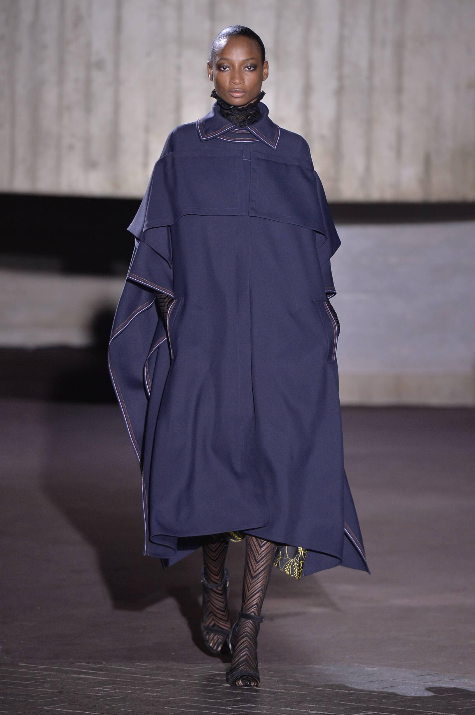 Winter 2018 Fashion Trends Roland Mouret