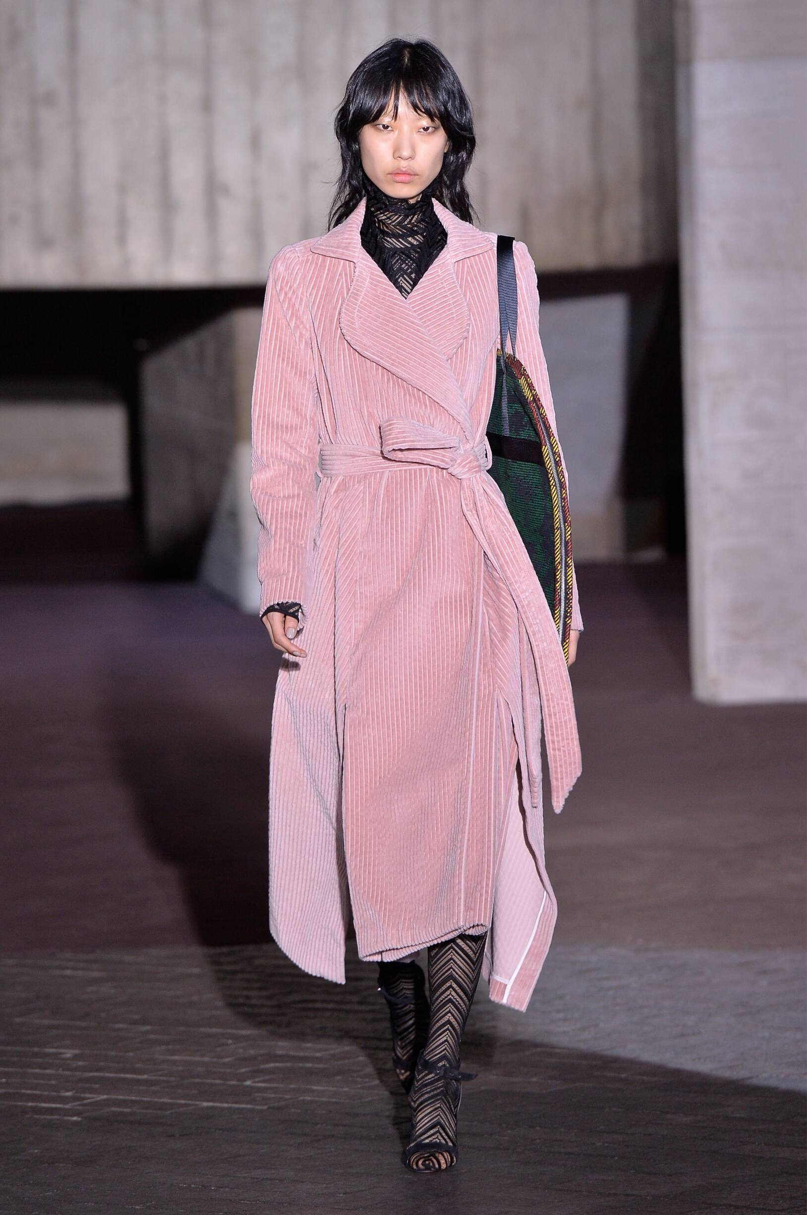 Winter 2018 Woman Trends Roland Mouret