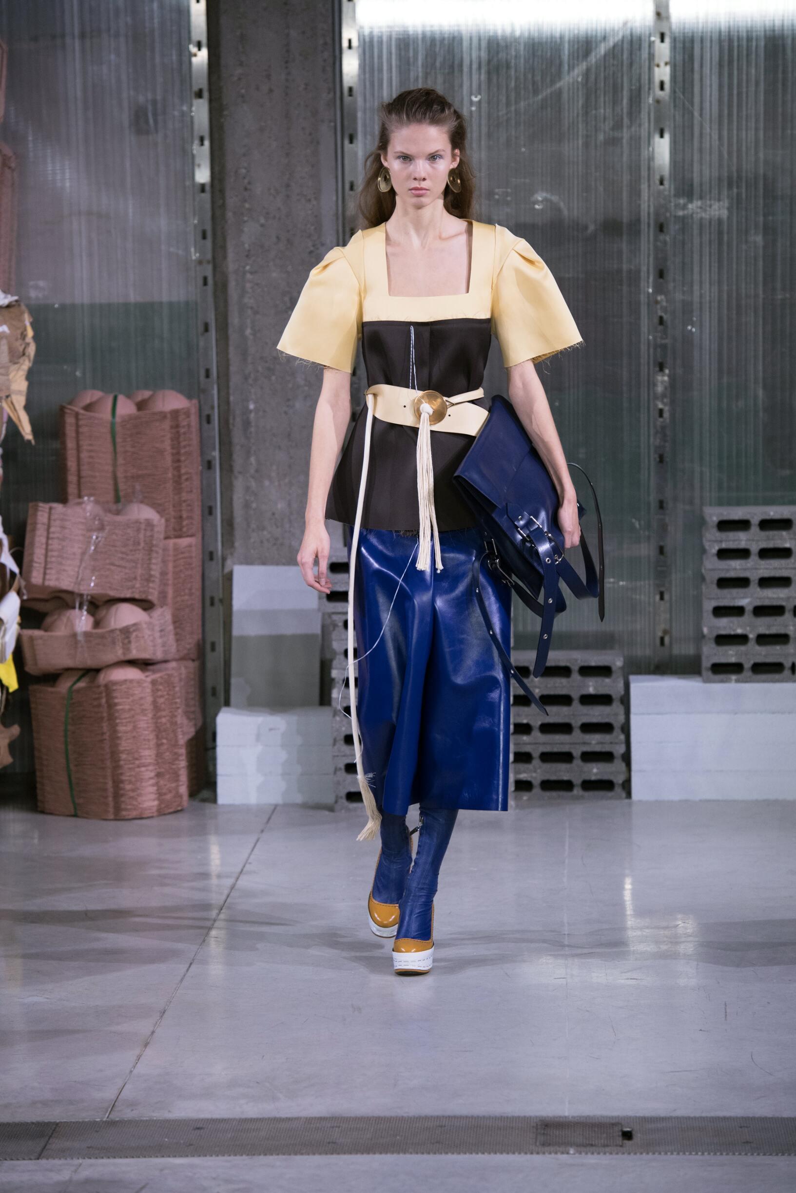 Woman FW 2018-19 Fashion Show Marni