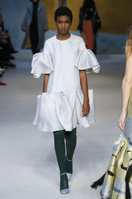 Woman Fall 2018 Fashion Trends Roksanda