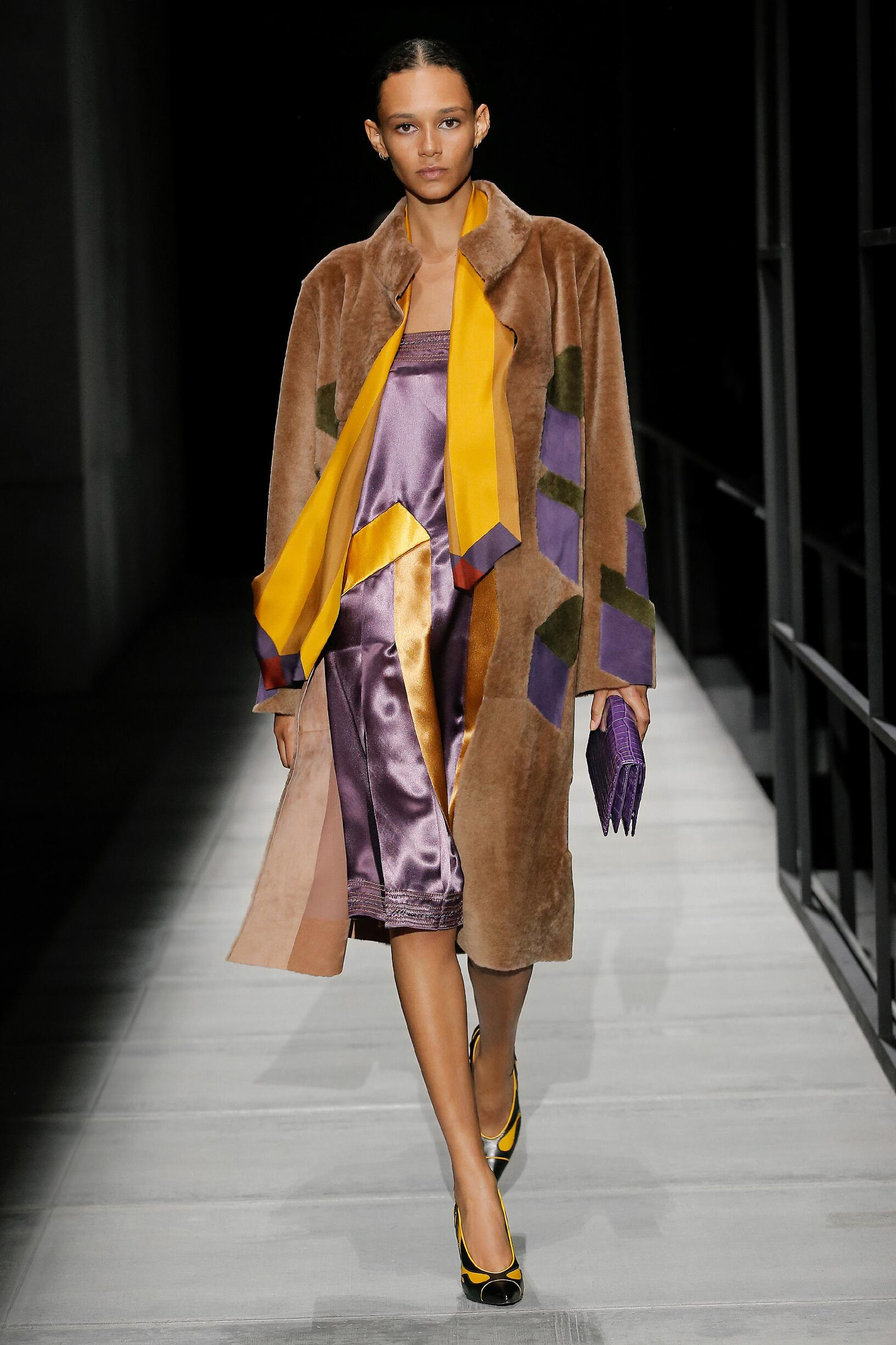 Woman Model Fashion Show Bottega Veneta