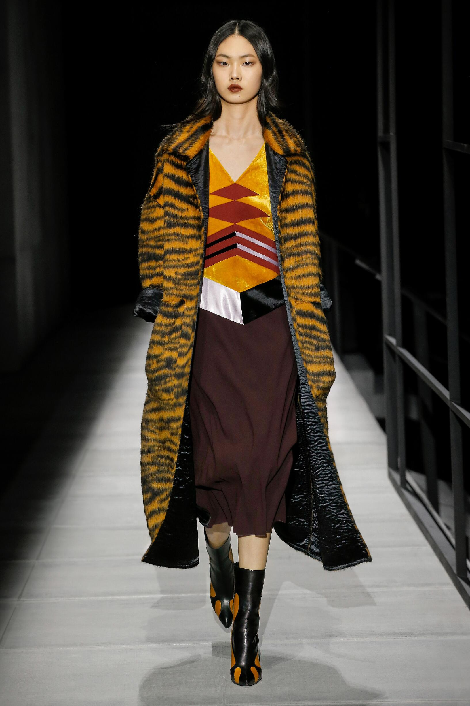 Woman Winter 2018 Fashion Trends Bottega Veneta