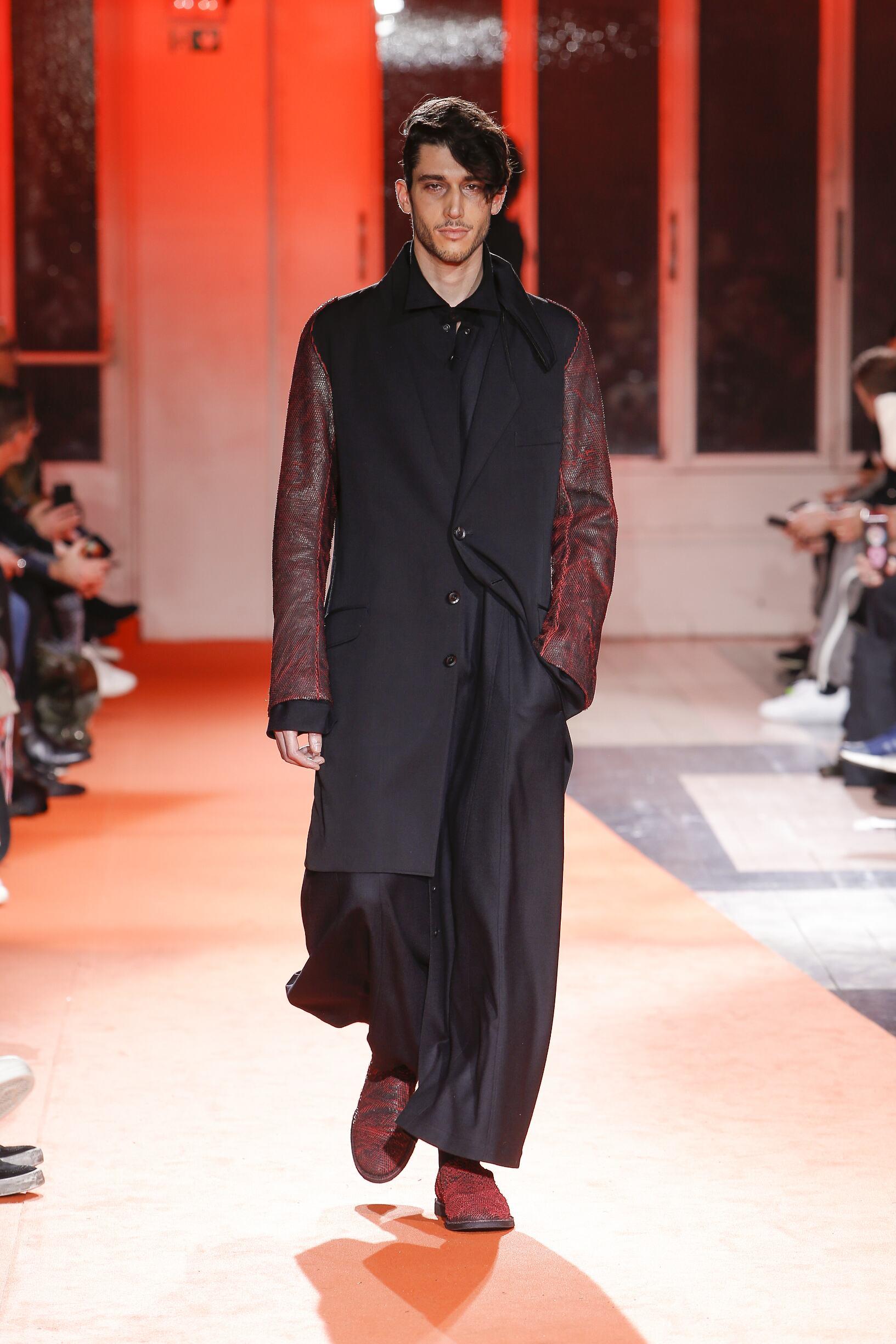 Yohji Yamamoto Fall Winter 2018 Mens Collection Paris Fashion Week