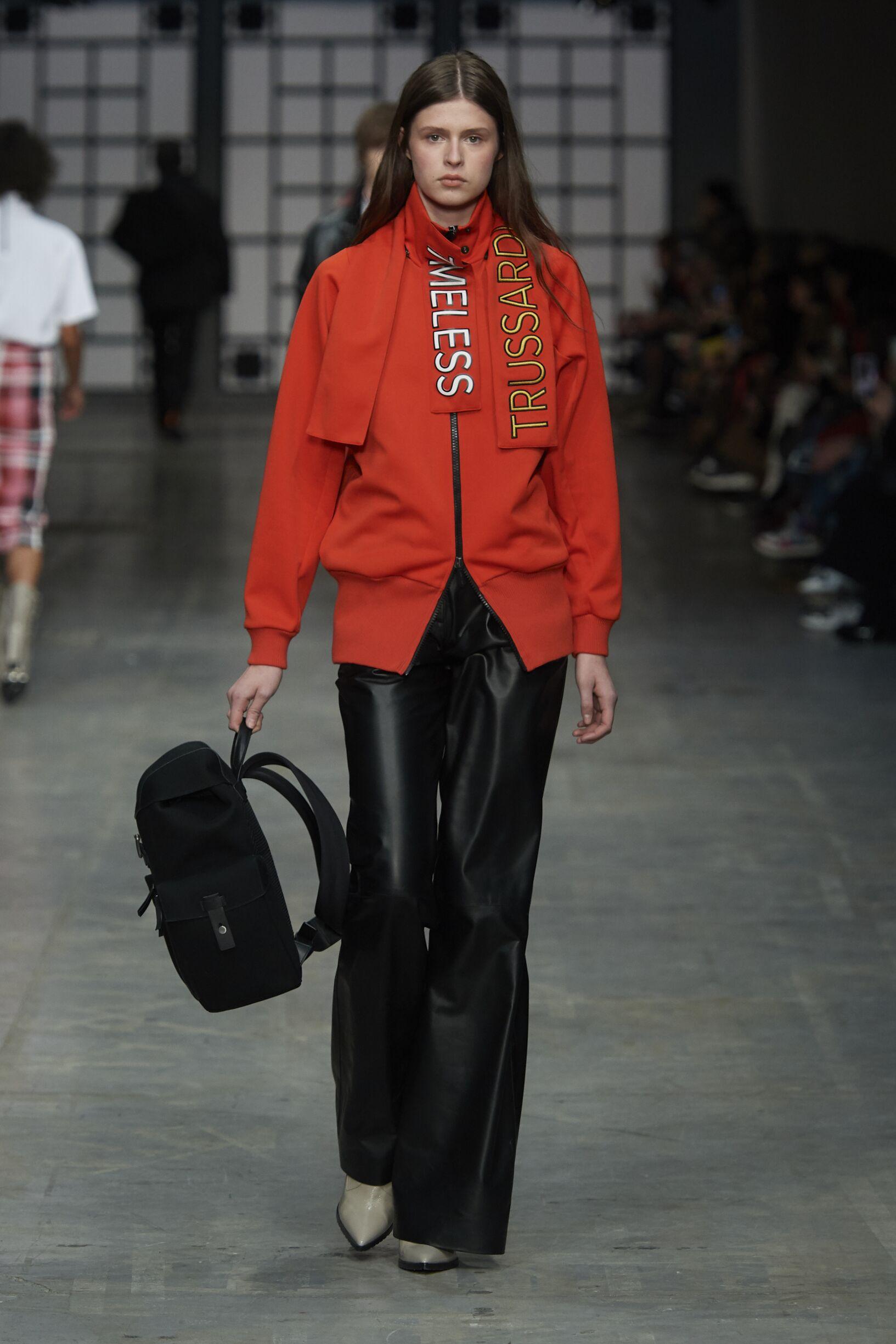 2018 Catwalk Trussardi Woman Fashion Show Winter