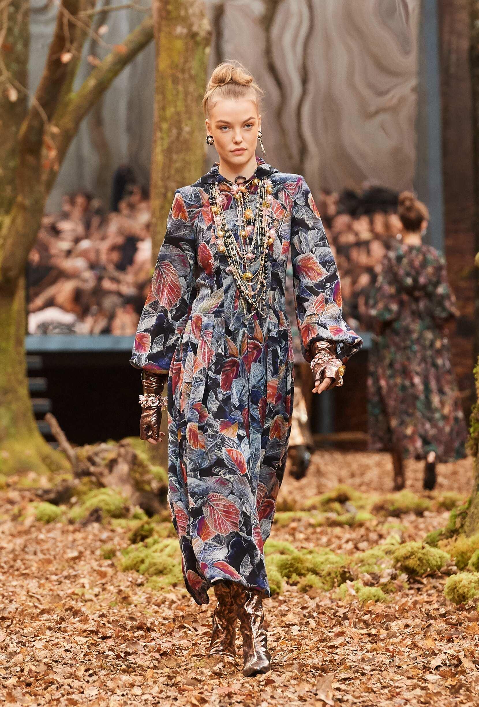 2018 Chanel Catwalk Paris Fashion Week