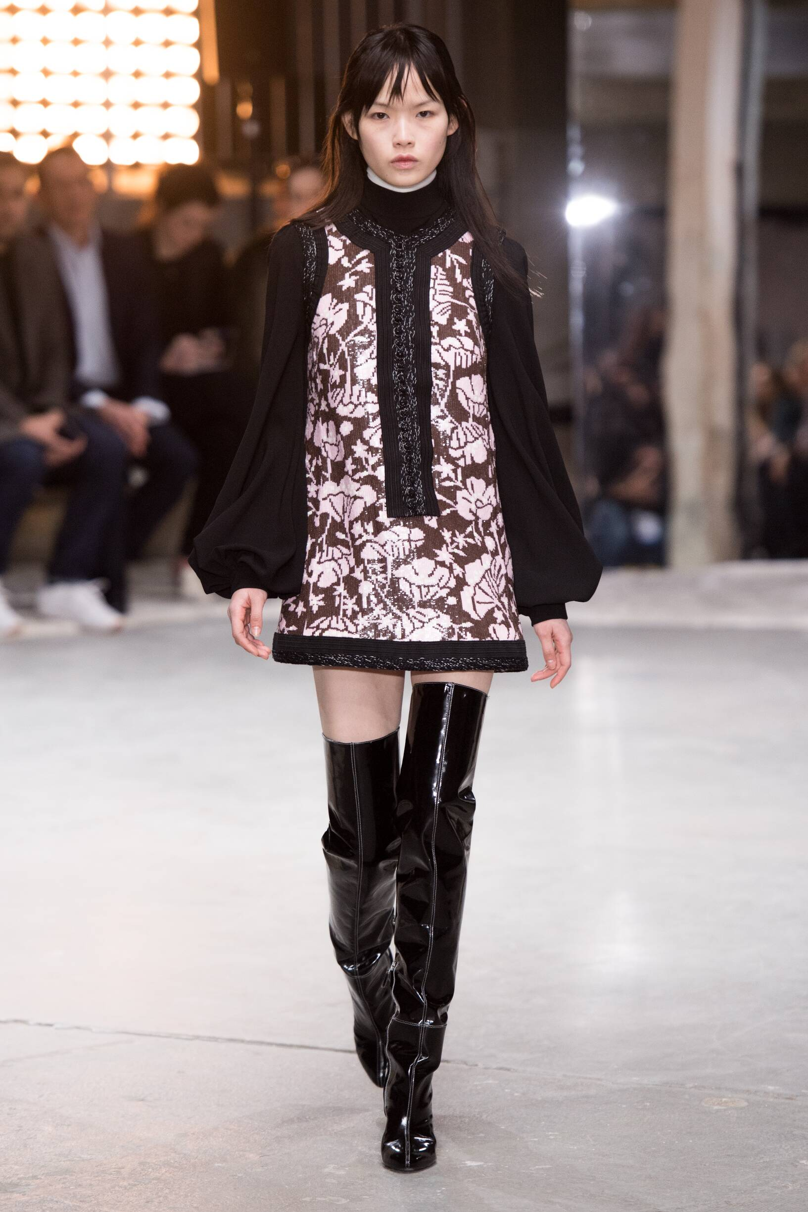 2018 Giambattista Valli Woman Catwalk