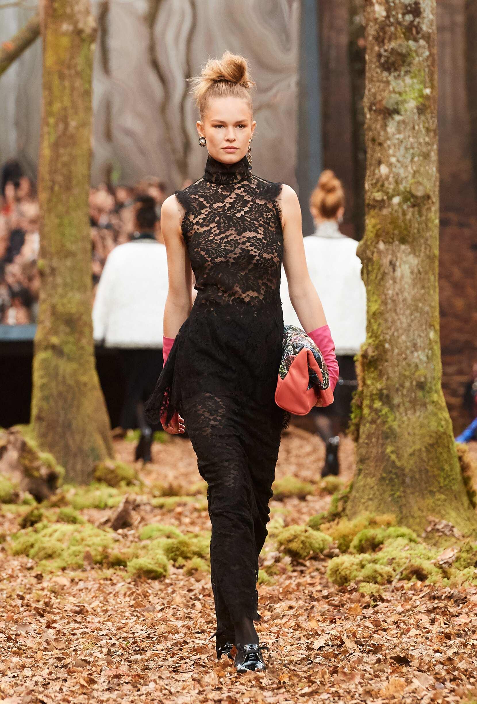 2018 Woman Chanel Trends Paris Fashion Week